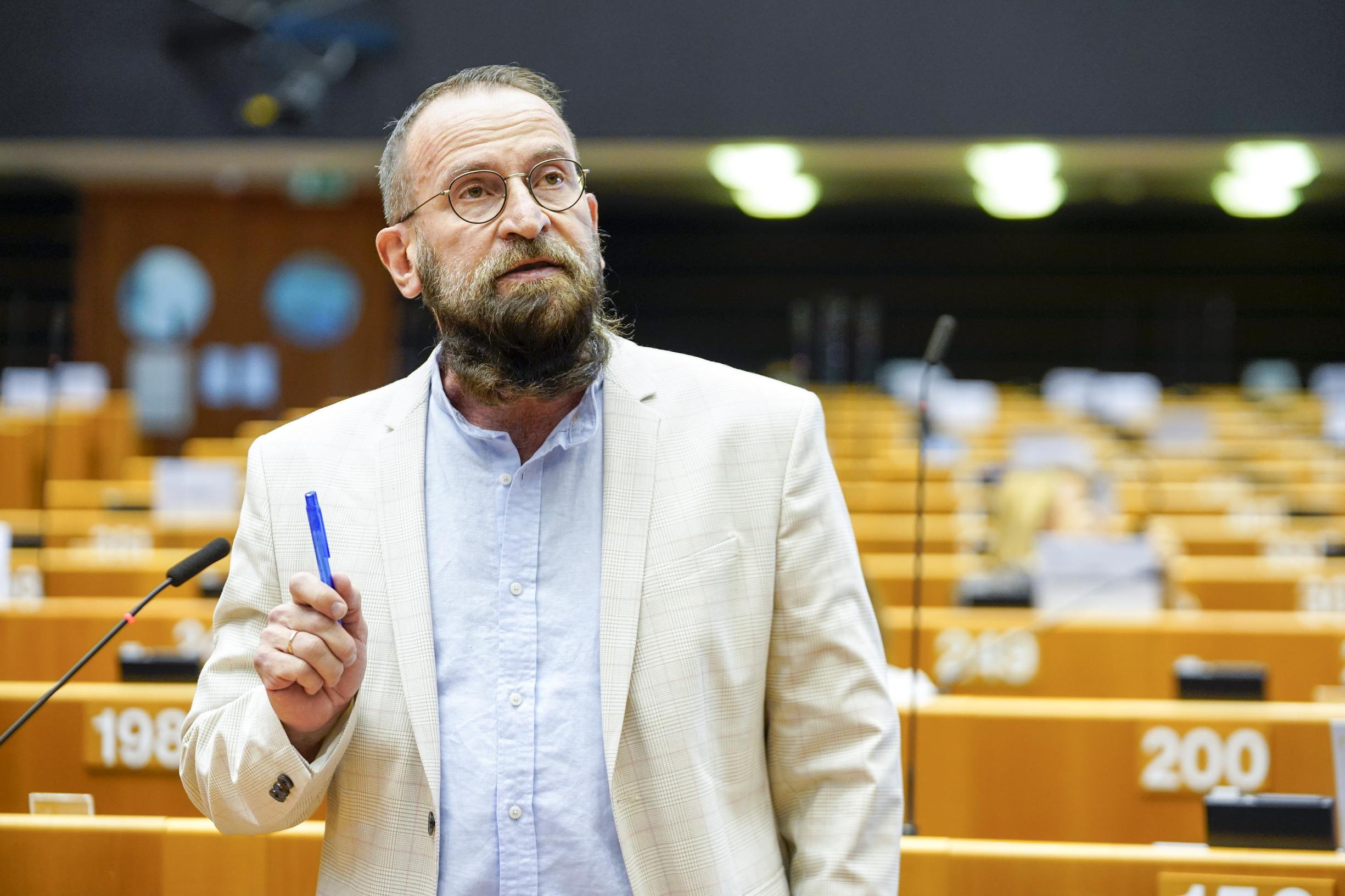 Fidesz EP-csoportja: Szájer József az egyedüli helyes döntést hozta meg