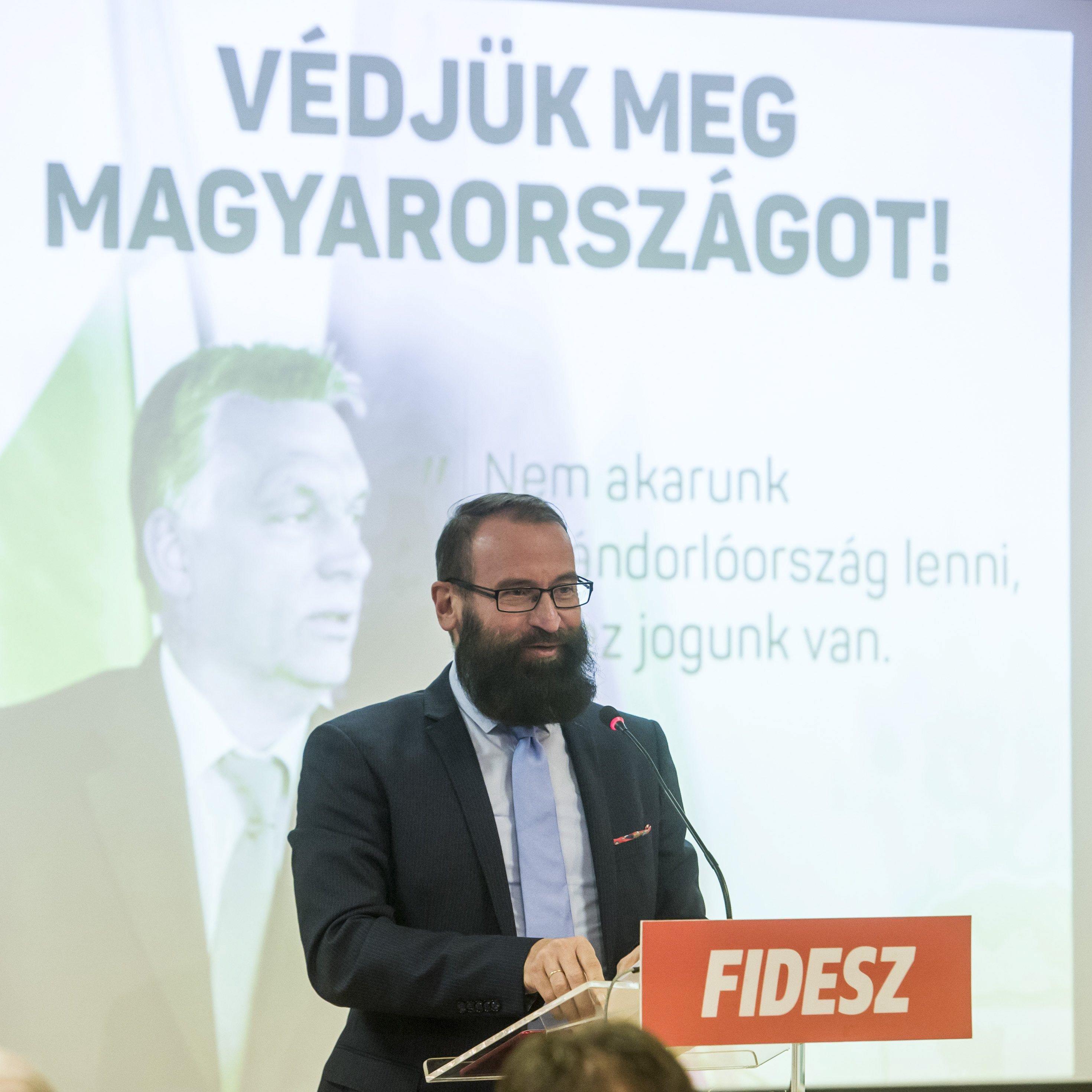 Szájer: A Covid-19 korlátozások megszegése miatt 250 eurót fizettem