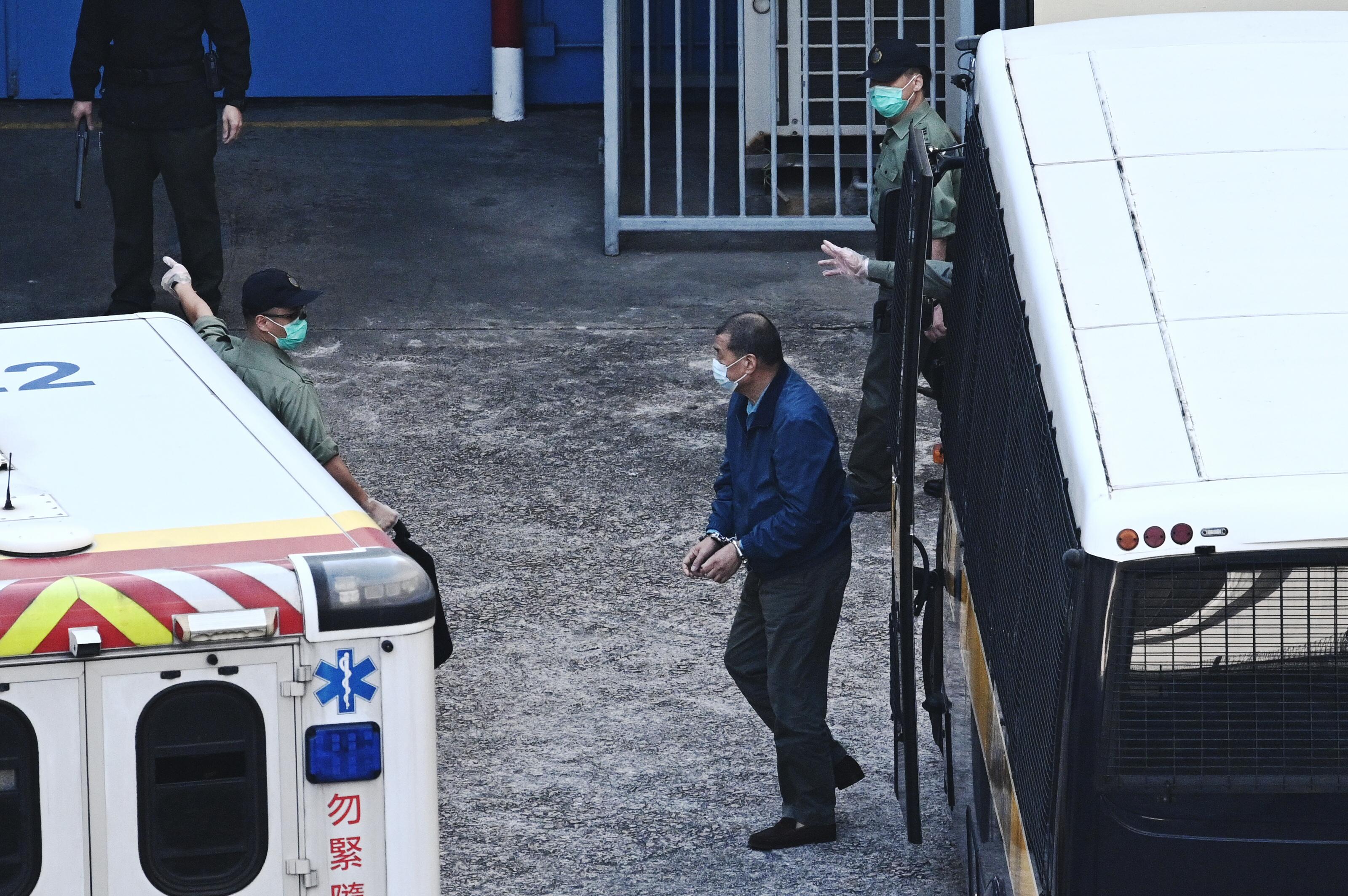 Csalás vádjával letartóztatták Jimmy Lait, a demokráciapárti hongkongi médiamágnást