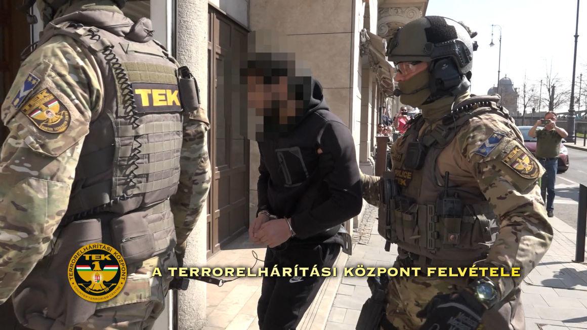 Szíriában elkövetett gyilkosságaiért életfogytiglanra ítéltek egy ISIS-parancsnokot Budapesten