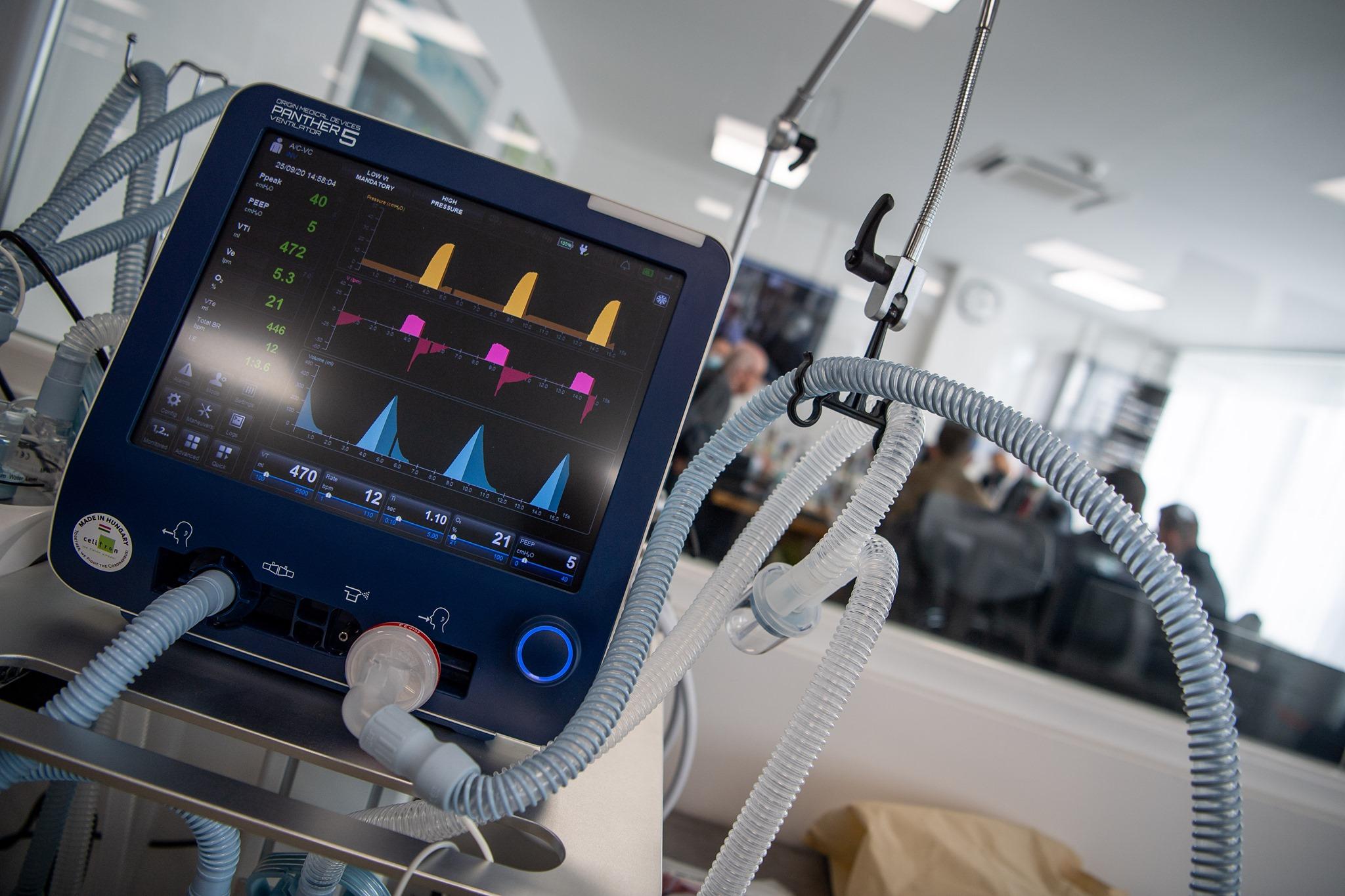 Az EU-s közbeszerésen már nem sikerült eladni azokat a lélegeztetőgépeket, amiket a magyar állam tavasszal simán megvett aranyáron