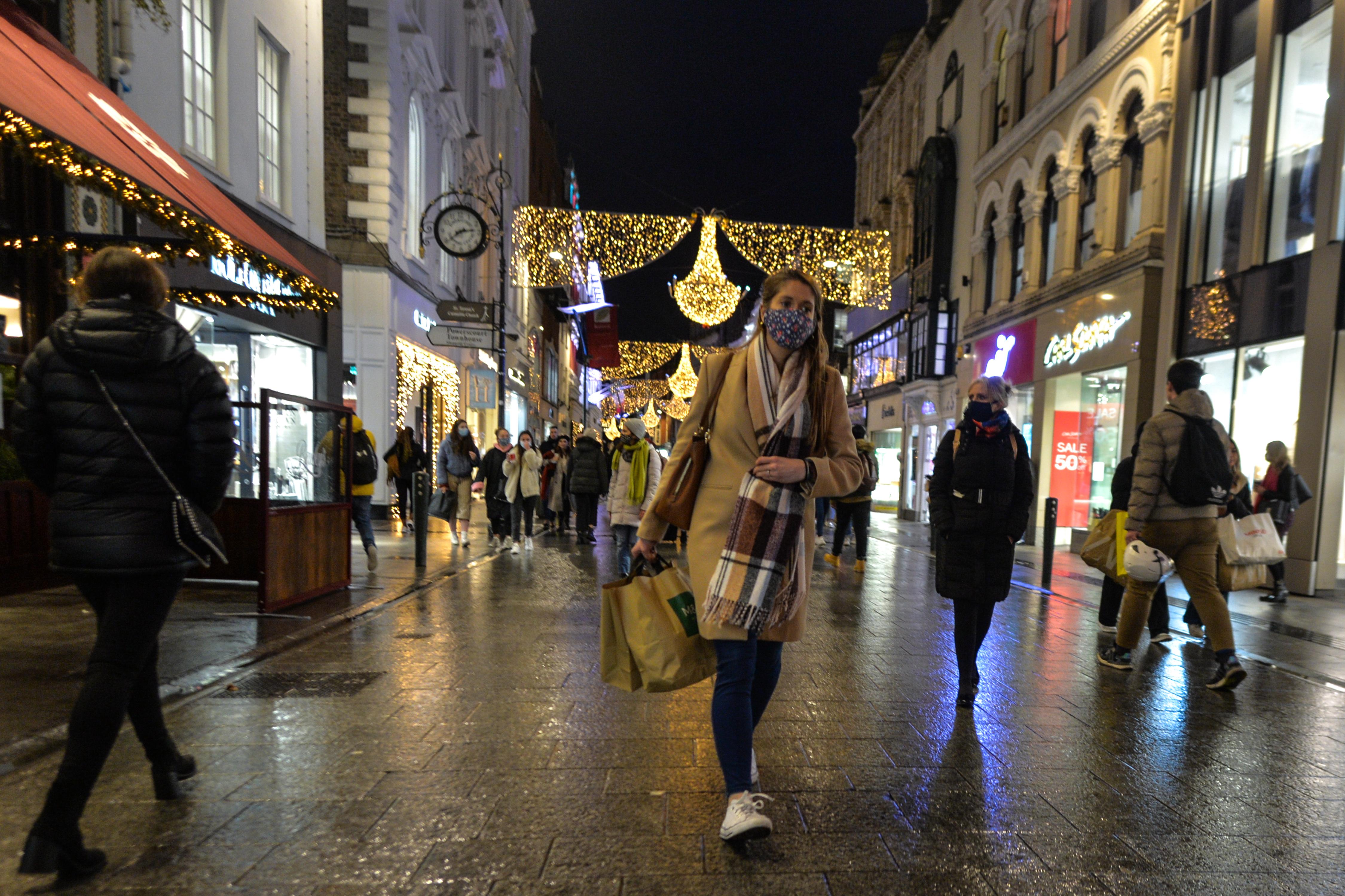Írországban a karácsonyt okolják a rossz járványhelyzet miatt