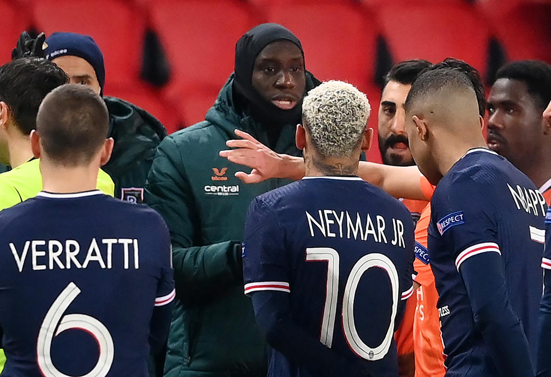 A román sportminiszter elnézést kért a PSG–Basaksehir-meccsen elhangzott rasszista kijelentésért