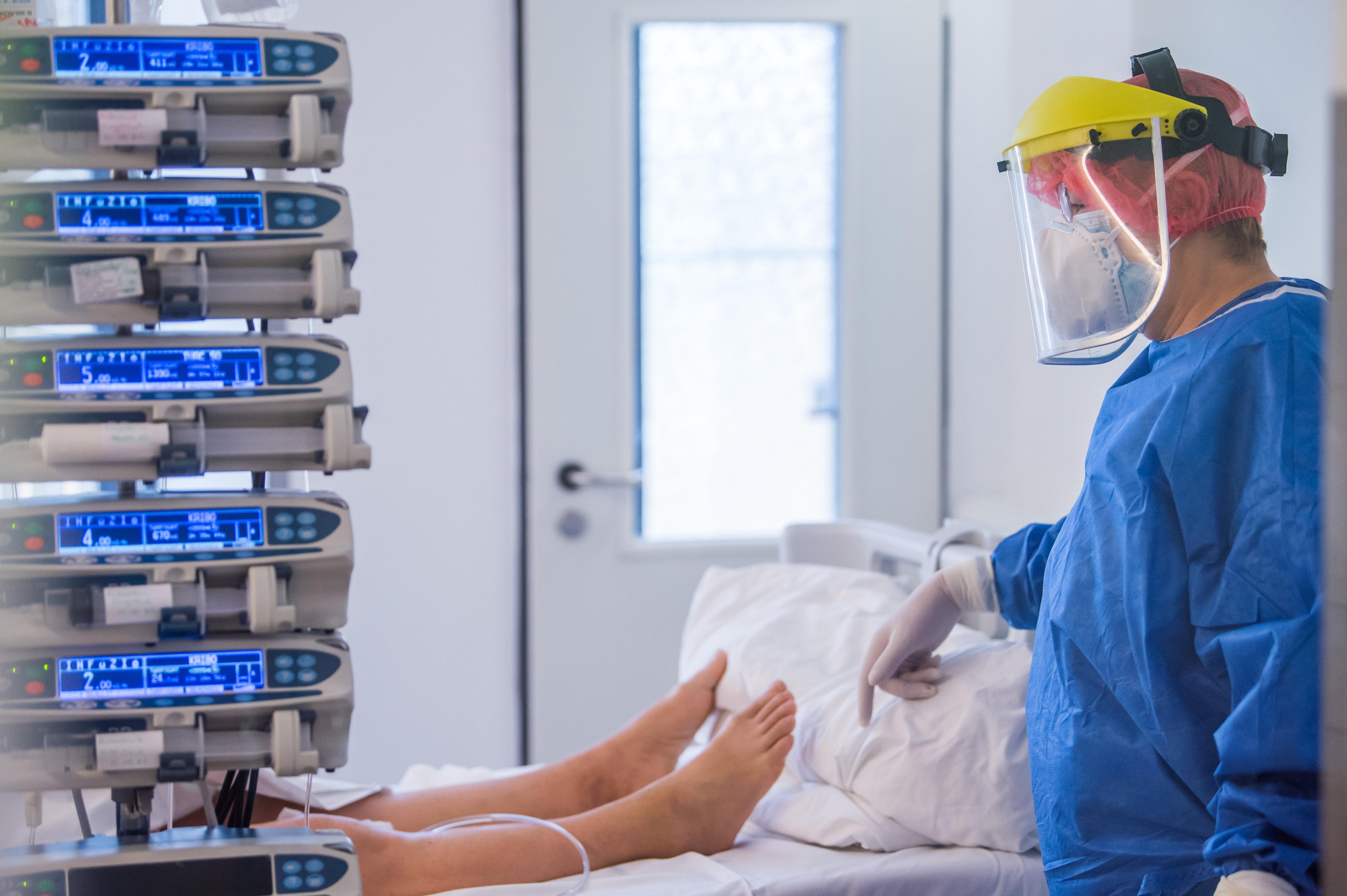 A győri kórházigazgató szerint már most több a beteg, mint amennyire elegendő lenne a személyzet