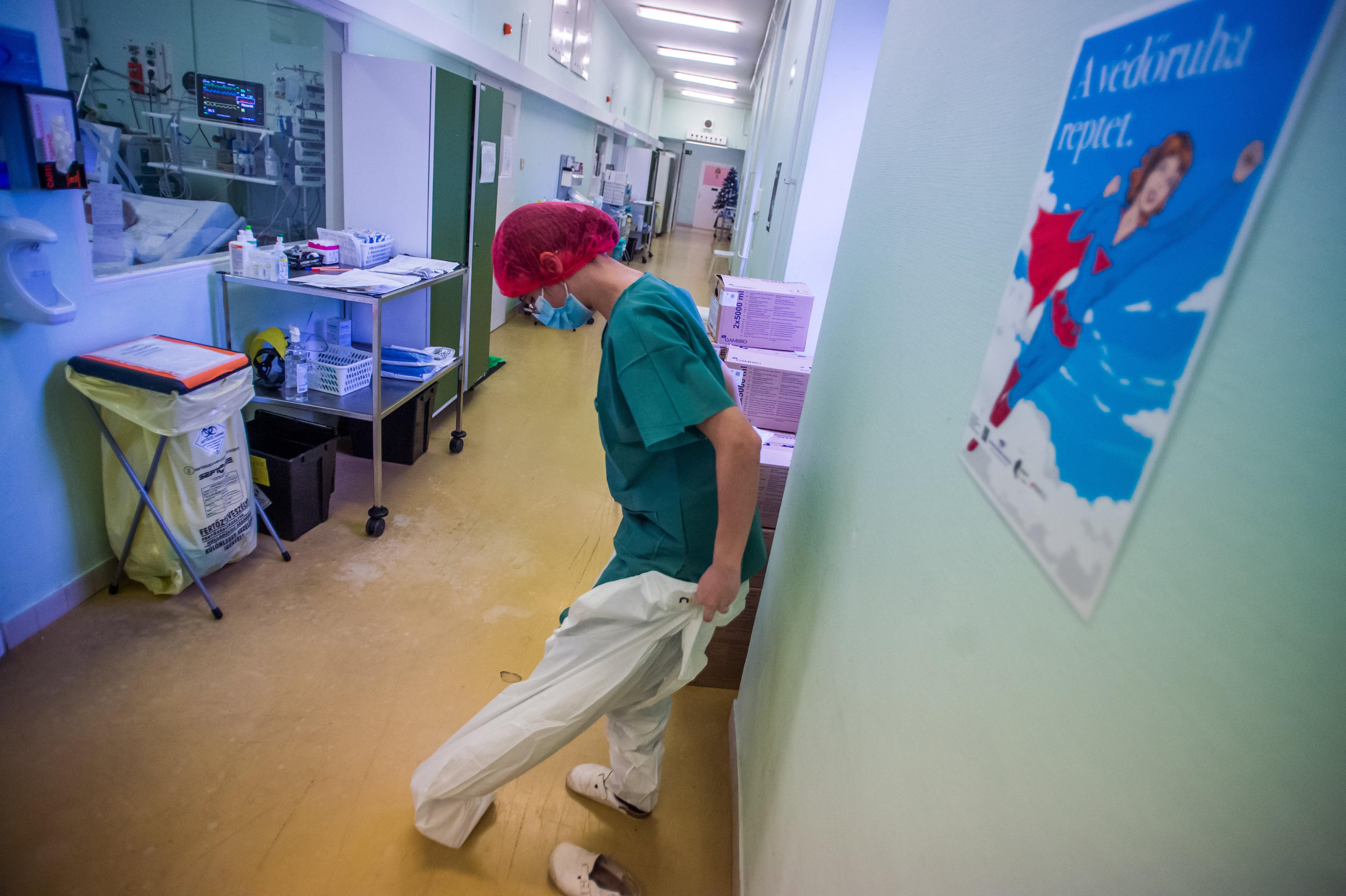 Egészségügyi dolgozók végkielégítésén spórolt az állam civil szervezetek szerint