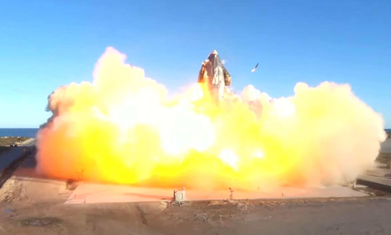 A földet éréskor felrobbant a SpaceX kísérleti rakétája