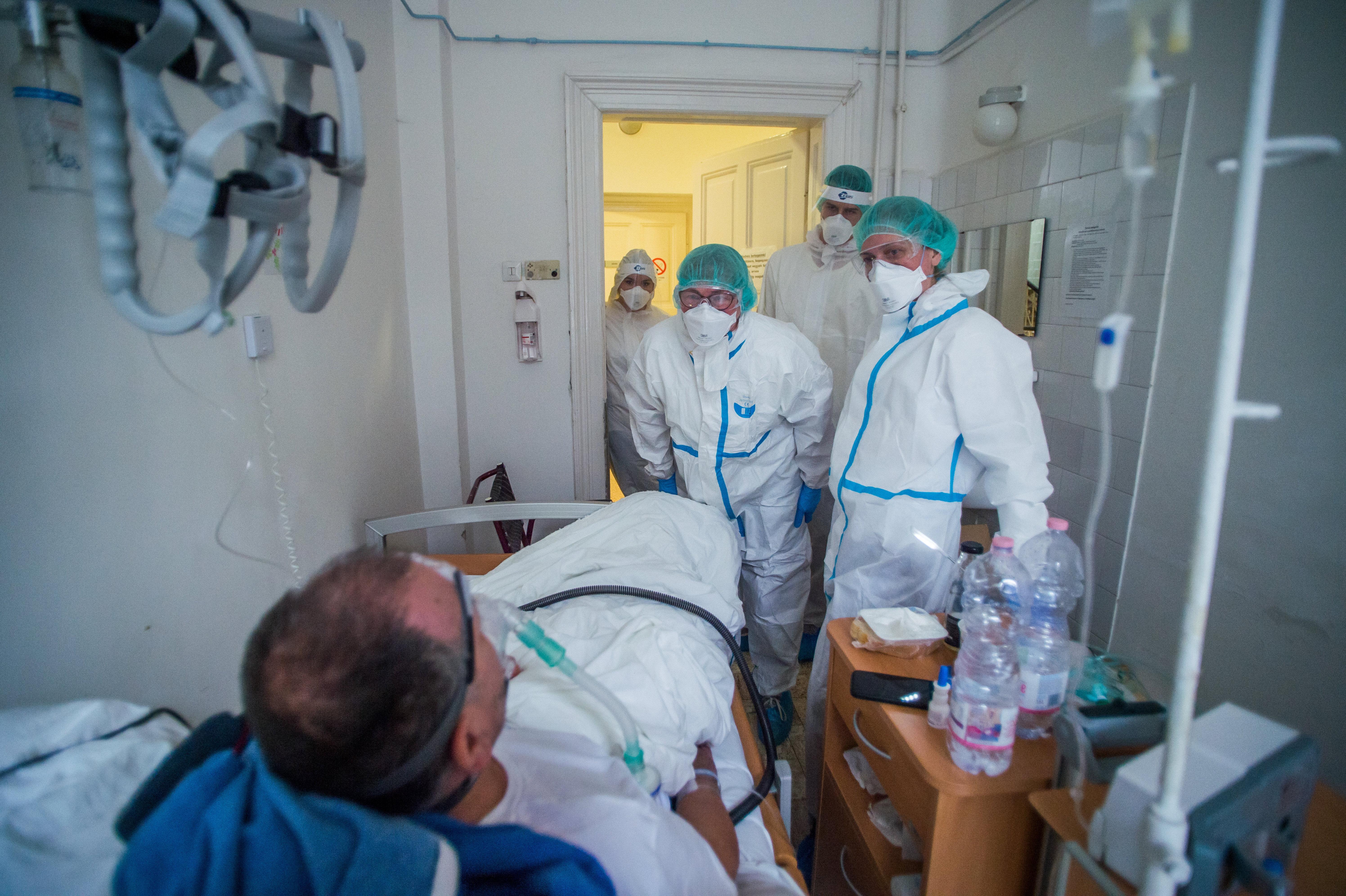 Önkénteseket toboroz az Országos Kórházi Főigazgatóság