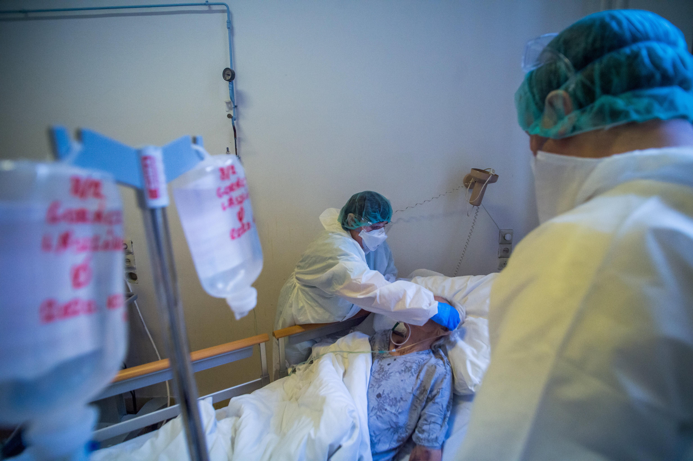 A veszélyhelyzetre hivatkozva központosítja a fővárosi és Pest megyei kórházak irányítását a kormány