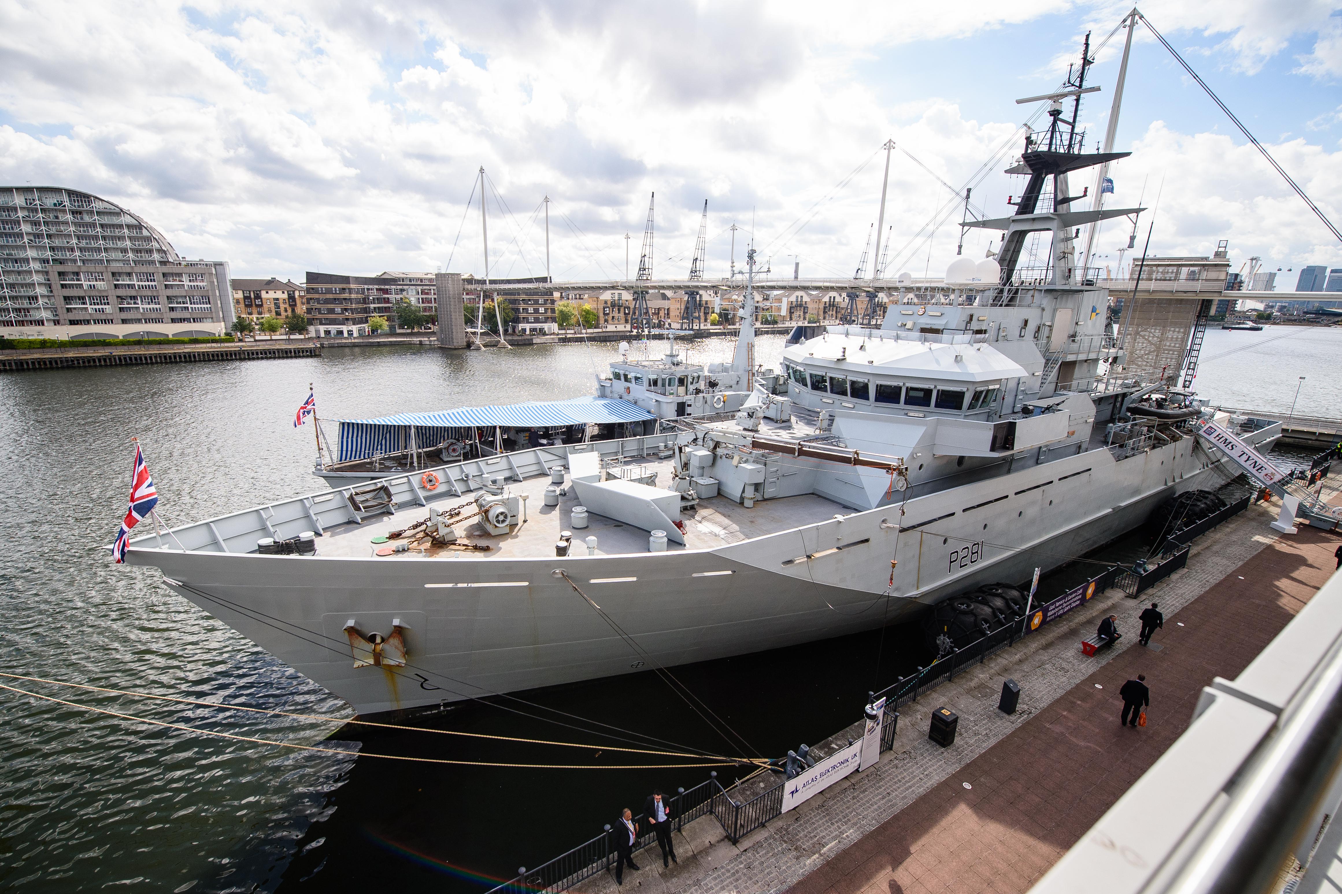 Négy hadihajó védi majd a brit halászterületeket, ha nem lesz megállapodás a brexit-tárgyalásokon