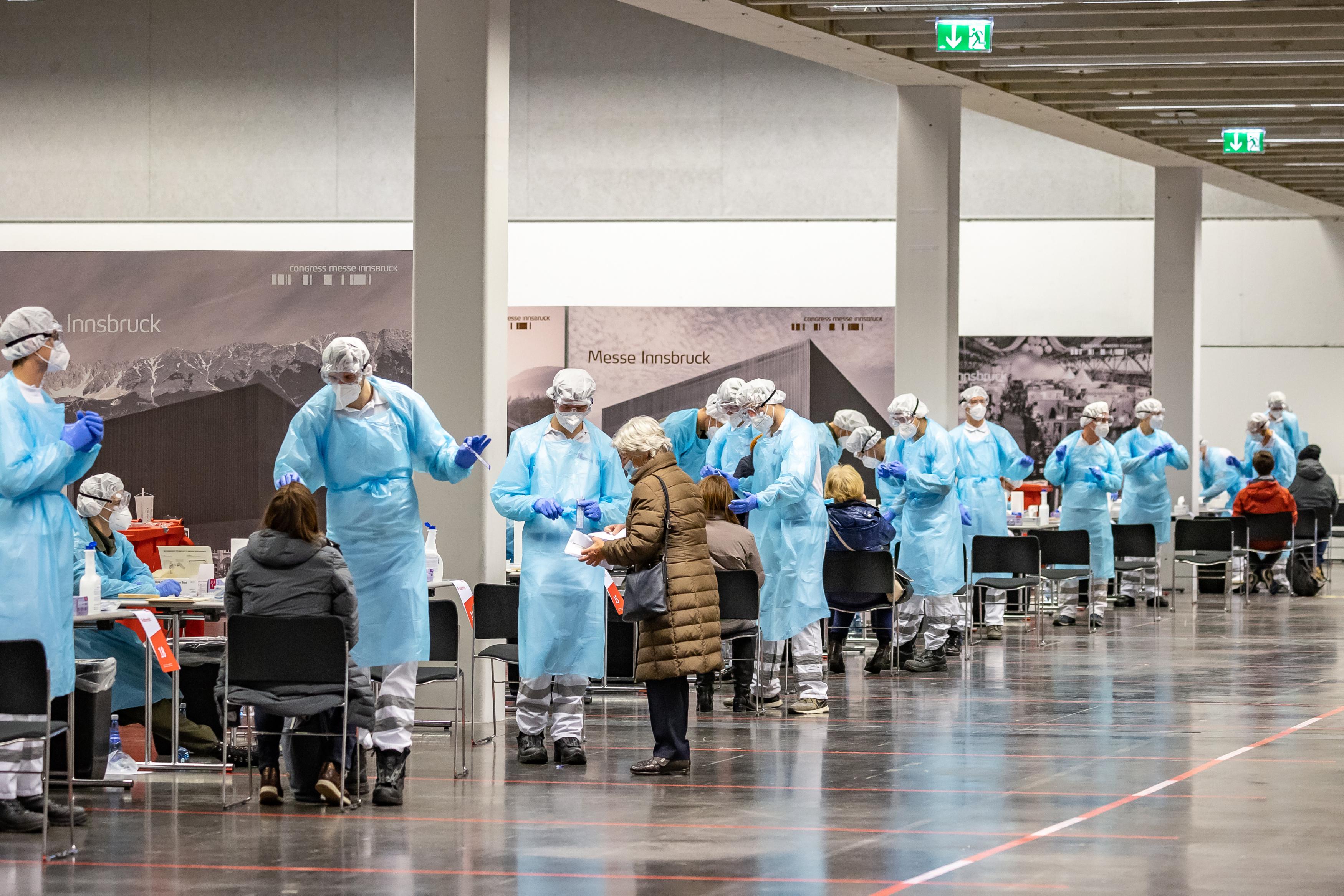 Ausztriában soron kívül kaptak védőoltást polgármesterek és a családtagjaik