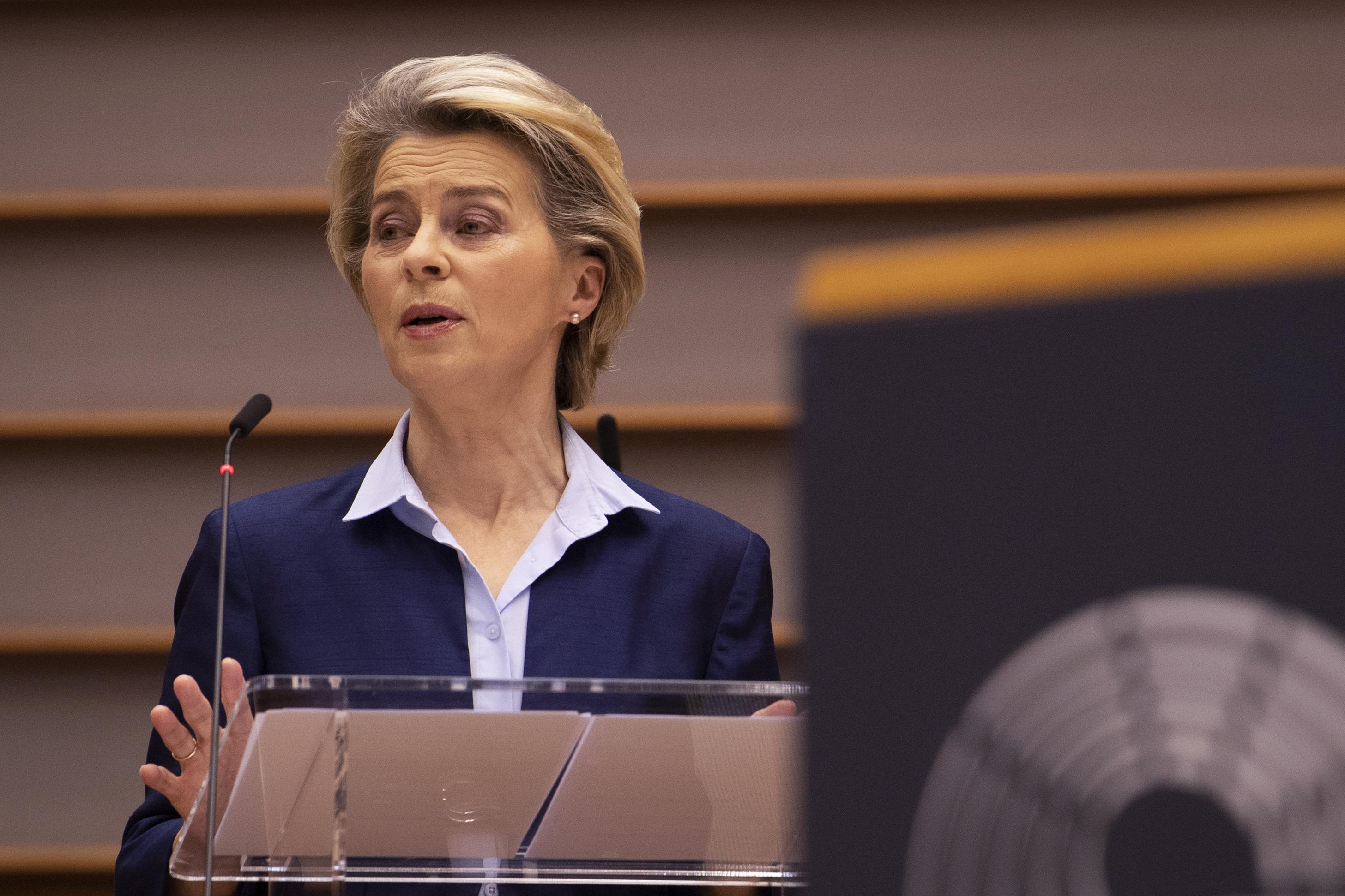 Ursula von der Leyen azt akarja, hogy minden tagállamban ugyanazon a napon induljon az oltás
