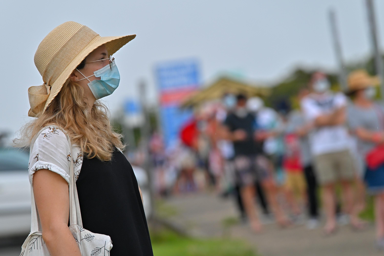 Találtak 39 fertőzöttet, százezrek maradnak otthon Sydney-ben