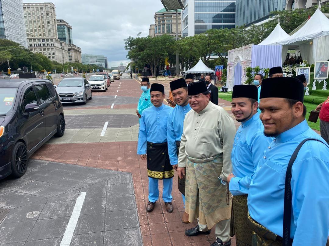 Tízezer fős, autós esküvőt tartottak Malajziában