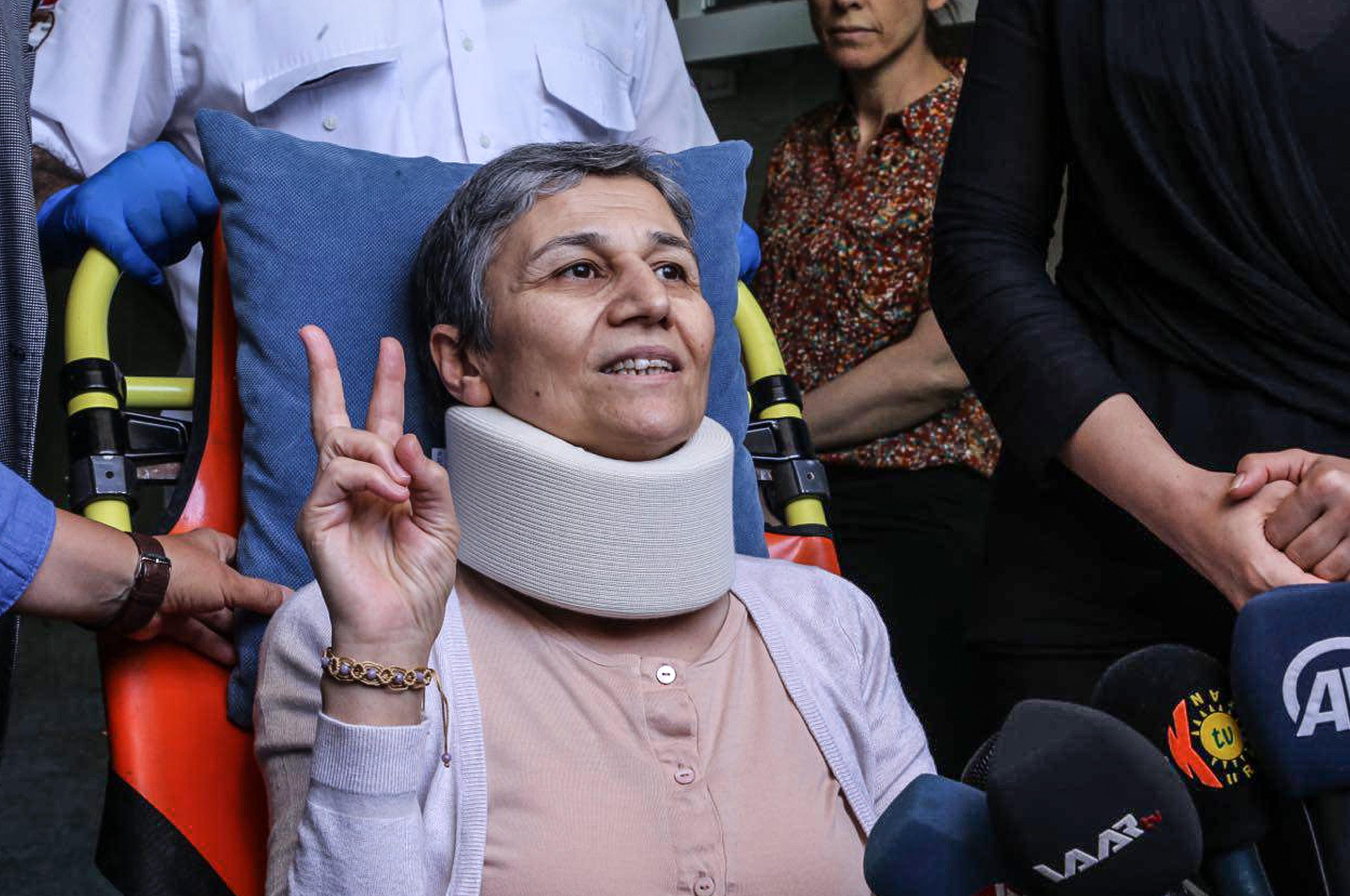 Terrorpropaganda vádjával 22 év börtönre ítéltek egy kurdbarát képviselőnőt Törökországban