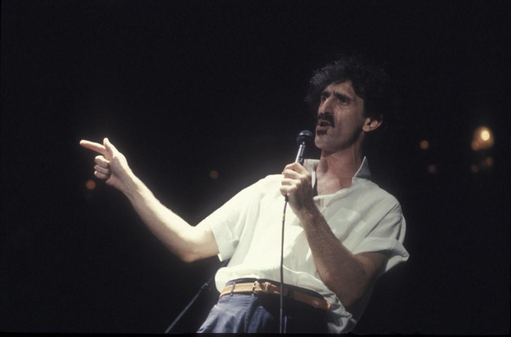 Frank Zappa esete egy családok védelmében fellépő kormánnyal