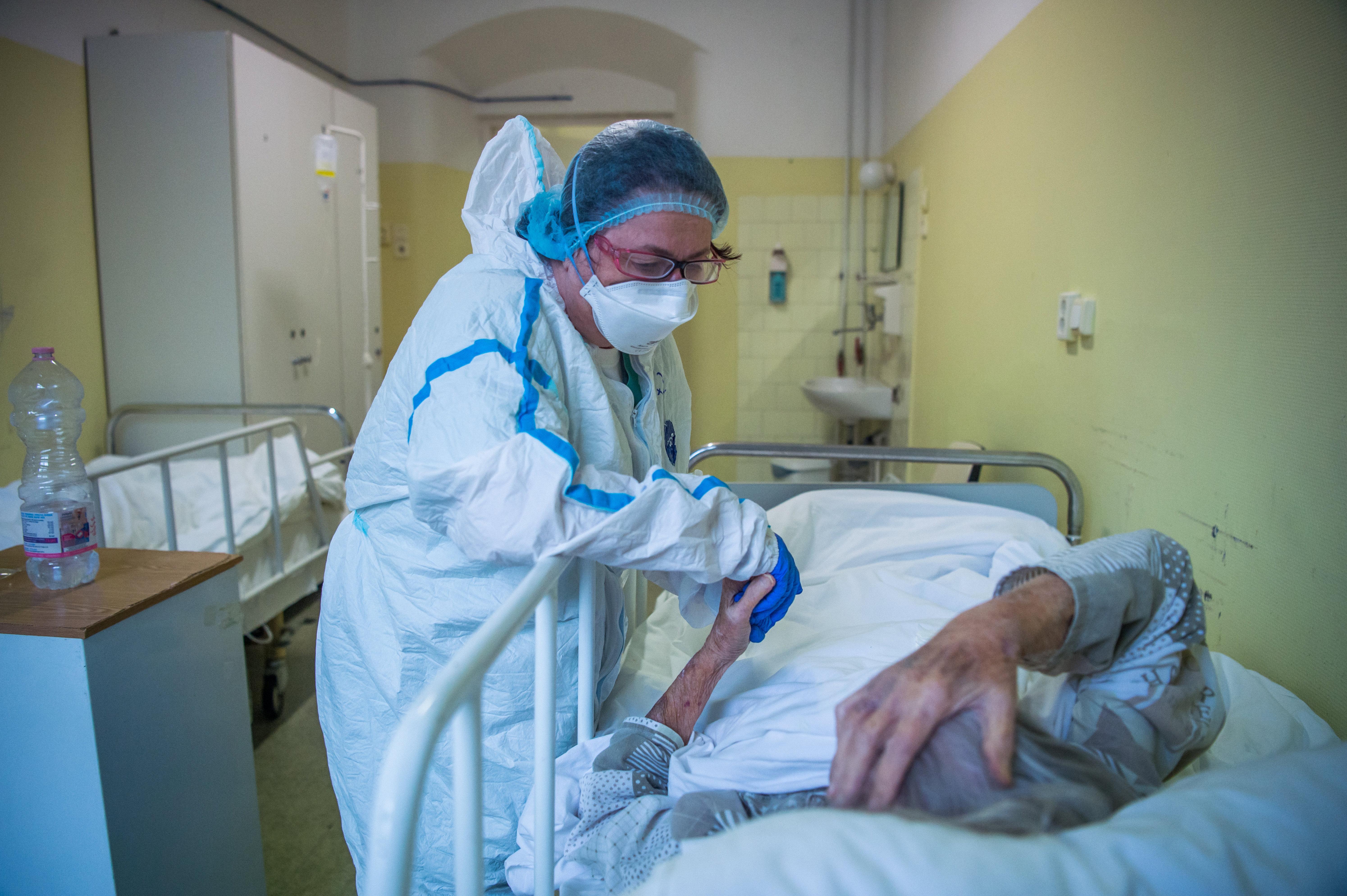 Hatástalan az új variánsokkal szemben az egyik legnépszerűbb koronavírus-terápia