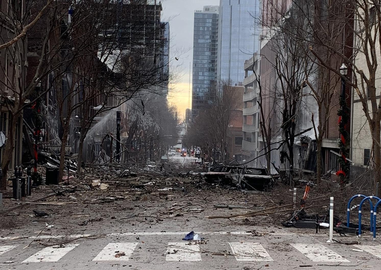 Felrobbant egy parkoló lakóautó Nashville-ben, hárman megsérültek