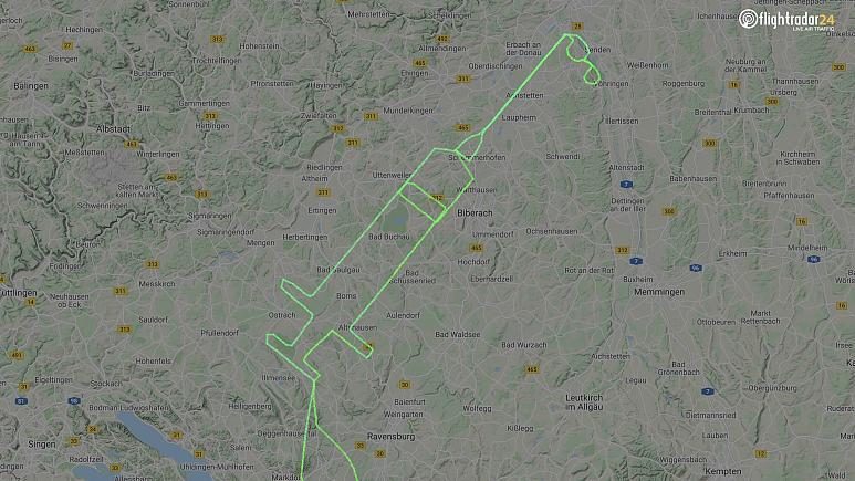 Fecskendő alakú repülési útvonallal köszöntötte a vakcinát egy német pilóta