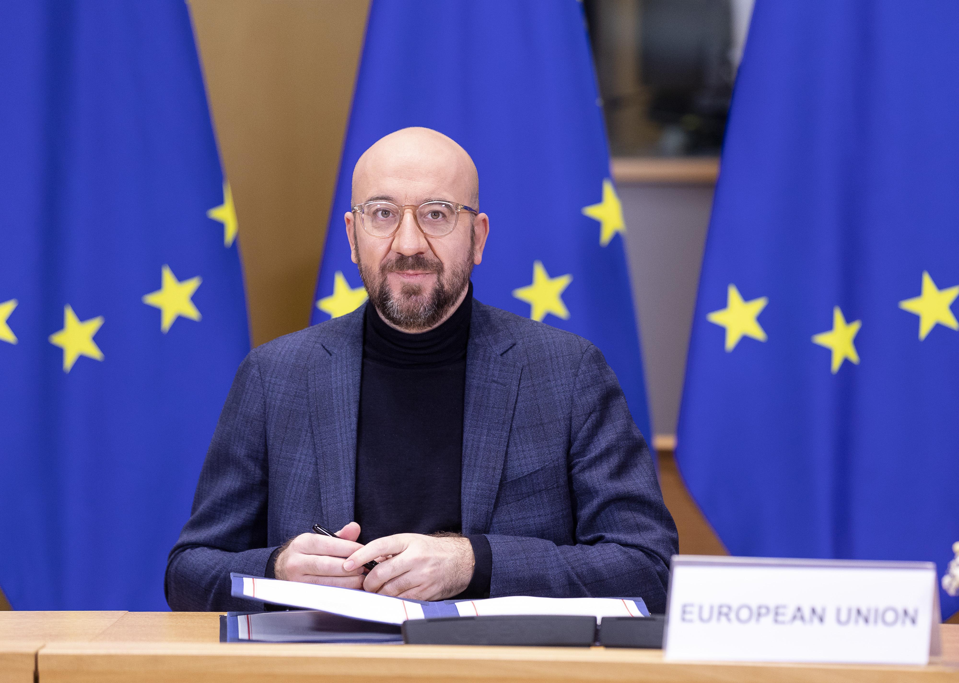 Michel: Az EU nem fogja hagyni, hogy a gyógyszergyárak ne úgy szállítsák a vakcinákat, ahogyan megállapodtak velük