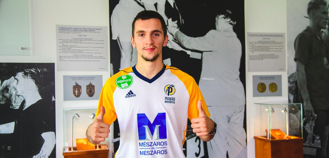 Vagyonokért focizik a Felcsút NB III-as tartalékcsapatában az albán csodaszélső