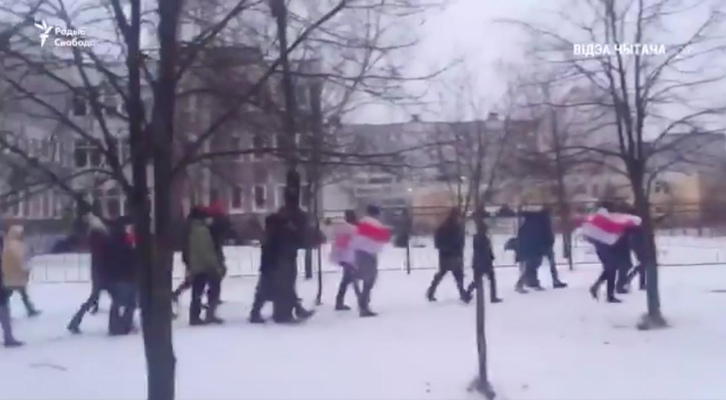Mire kikelsz az ágyból vasárnap, a minszkiek már el is indultak tüntetni