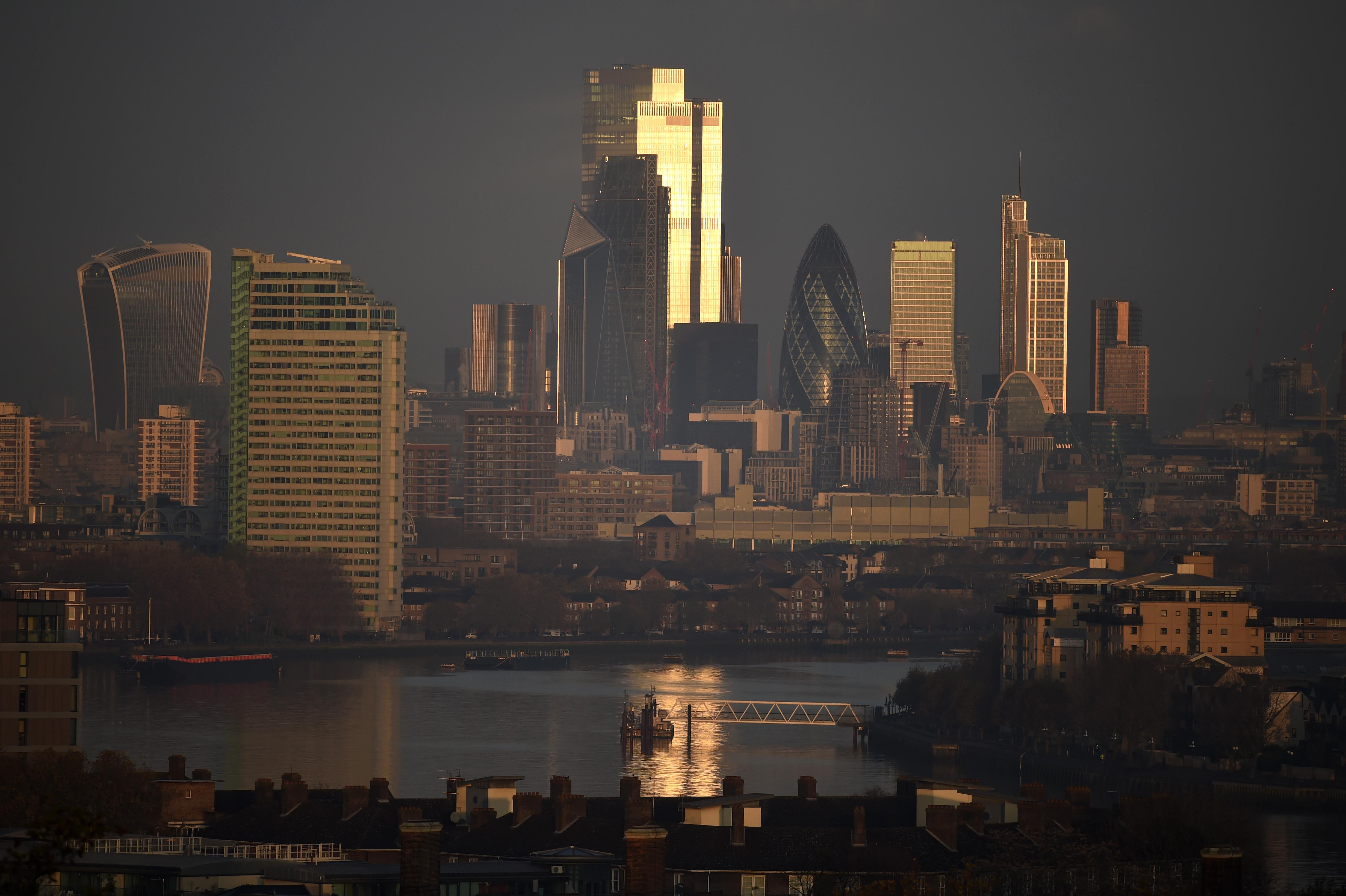 A 20 éve betiltott ólmozott benzin mérgező anyaga még mindig kimutatható London levegőjében