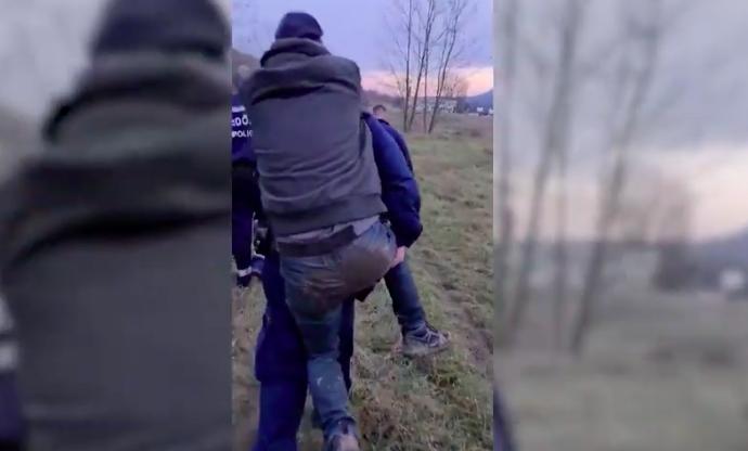 Törött lábú túrázót mentett a rendőrség Solymár és Pilisvörösvár között