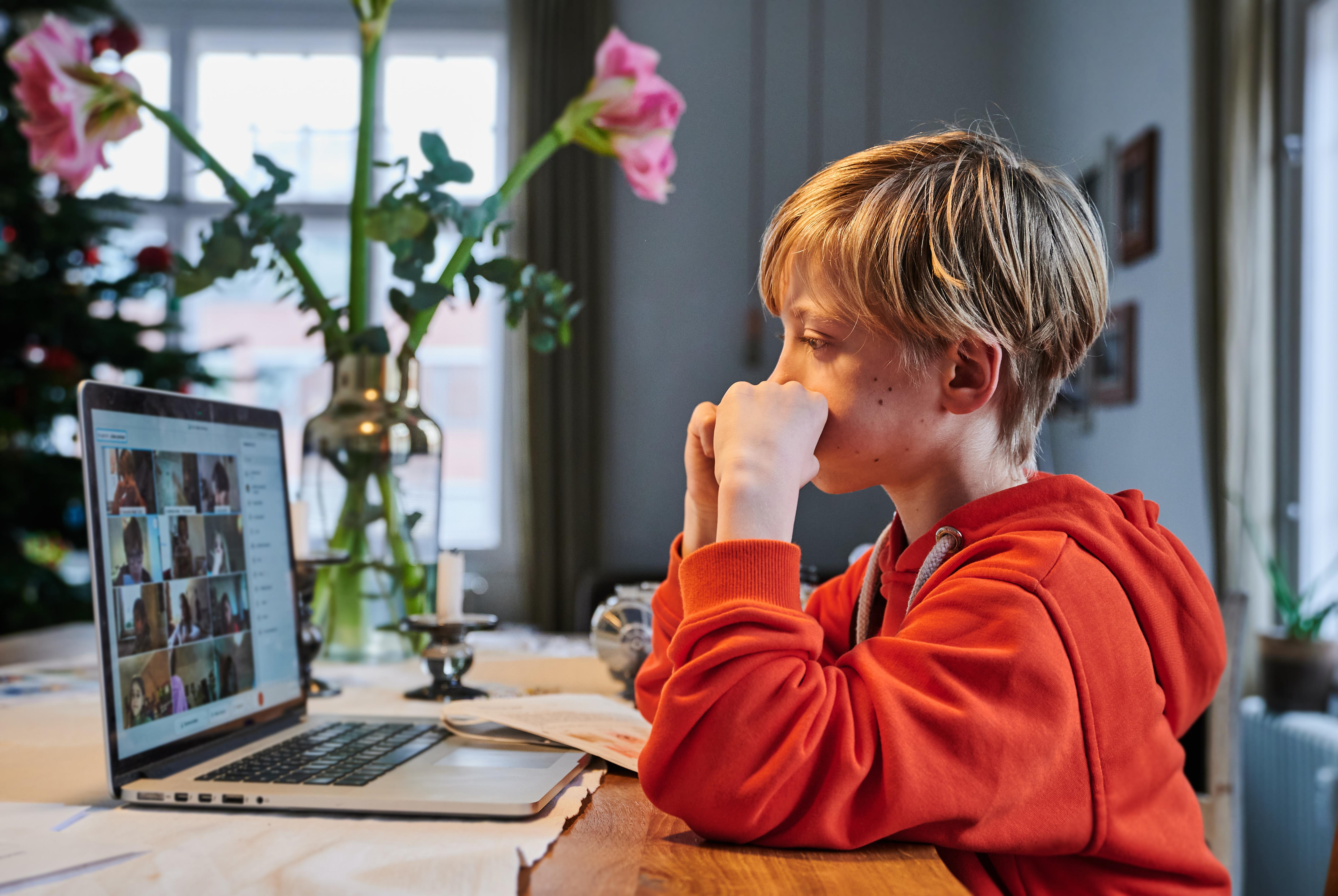 A magyar oktatási rendszer hegymenetben futott neki a digitális átállásnak, és meg is látszott az eredménye