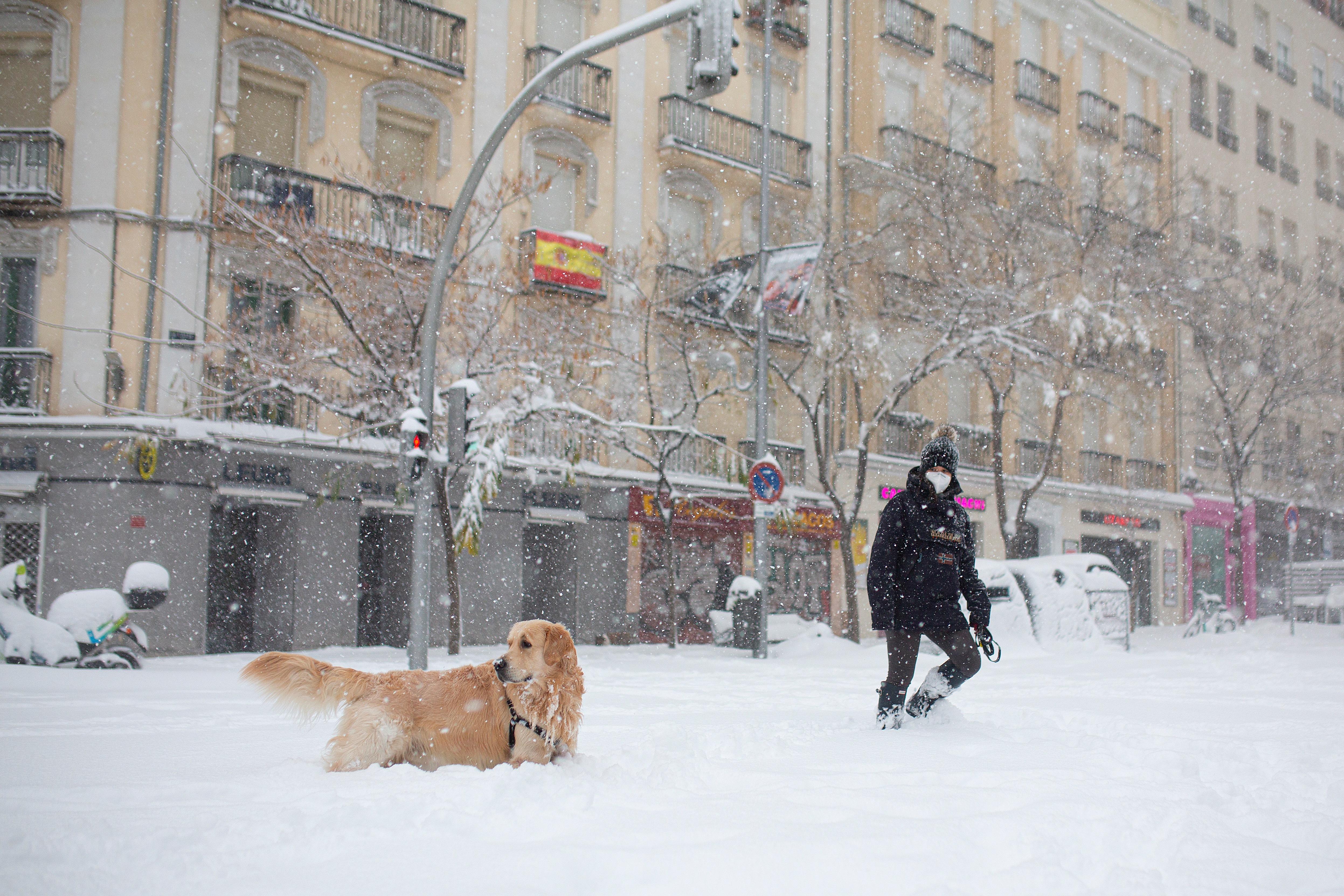 Óriási havazás bénította meg Madridot