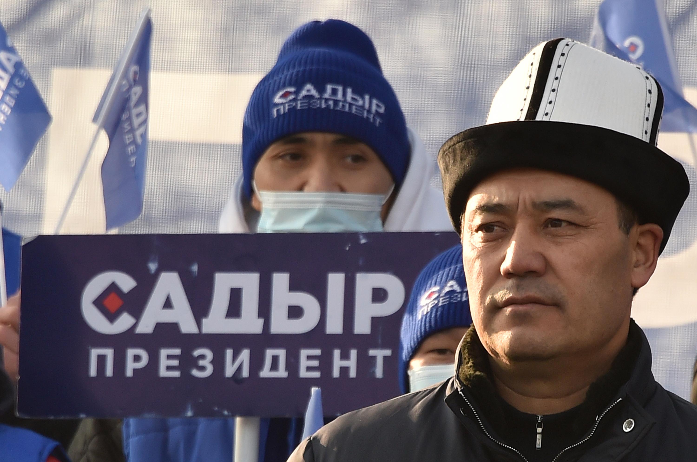 Elítélt bűnöző nyerte az elnökválasztást Kirgizisztánban