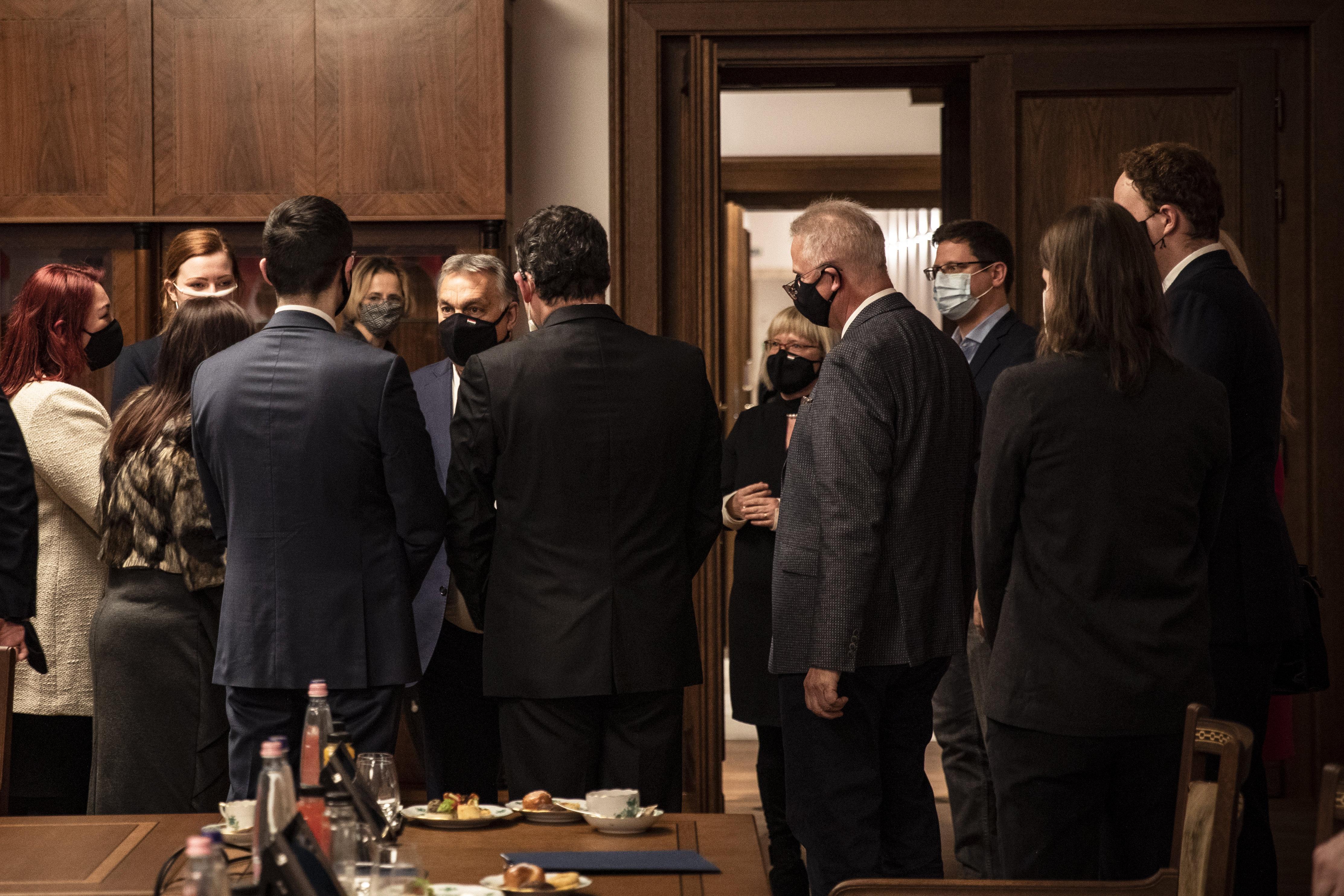 Orbán eligazítást tartott a Fidesz EP-képviselőinek: 2021-ben is éles politikai viták várhatók az EU-ban