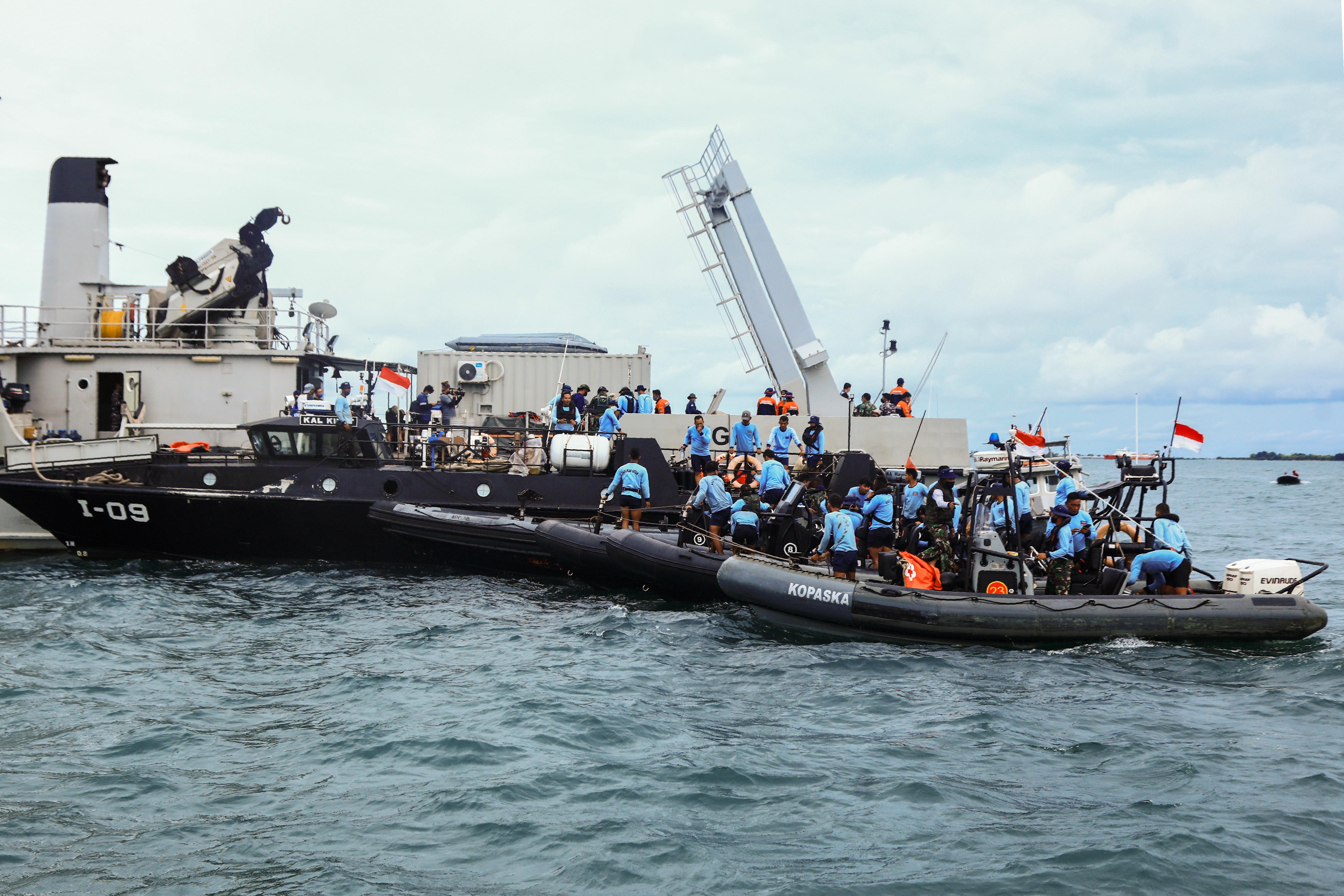 Tönkrement az eszköz, amivel a lezuhant indonéz gép fekete dobozát keresték