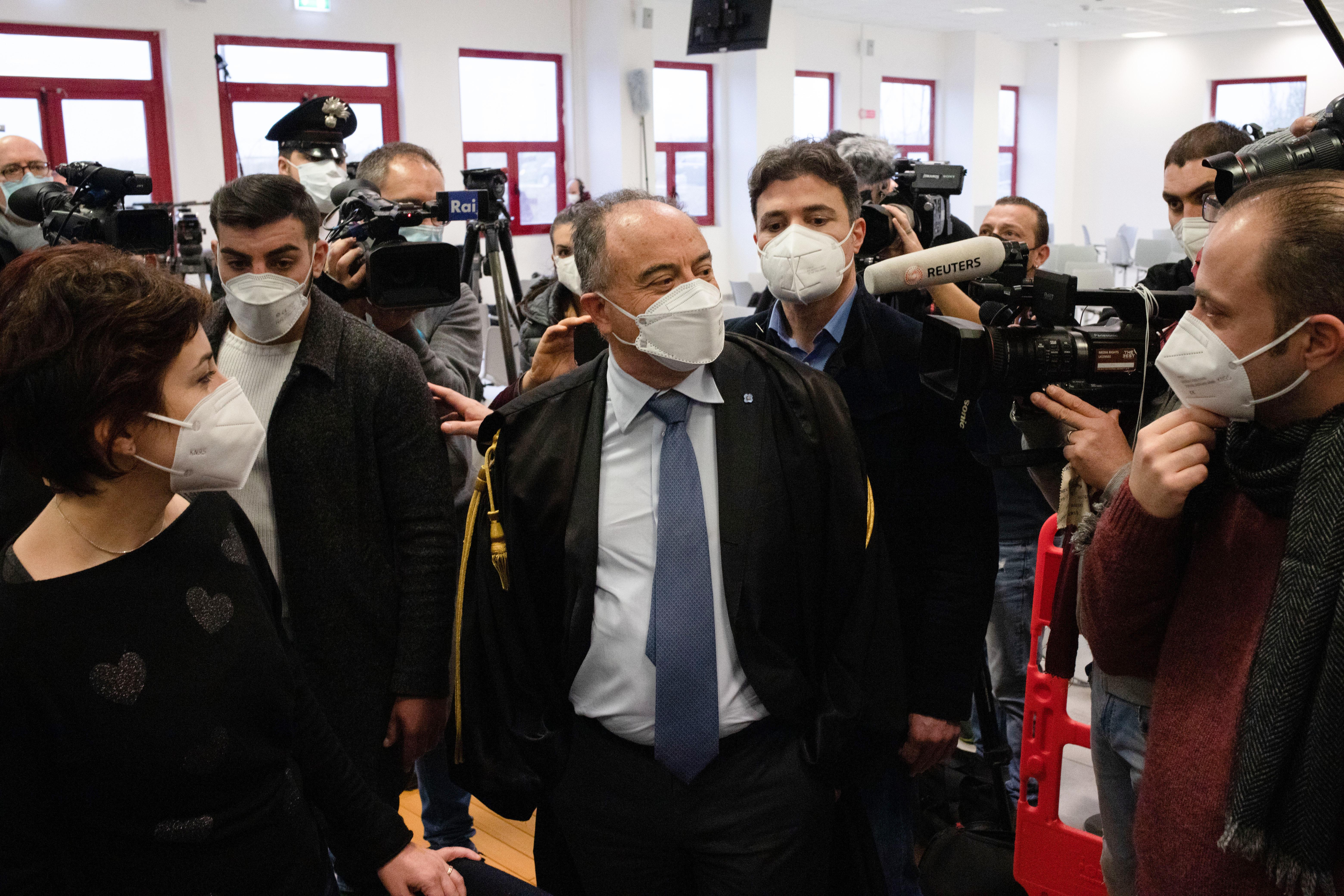 Az utóbbi évtizedek legnagyobb maffiapere kezdődött el Olaszországban