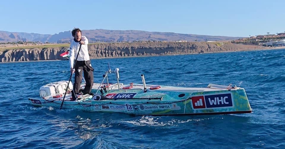 Rakonczay Gábor hat nap után feladta, hogy egy SUP-pal keljen át az Atlanti-óceánon