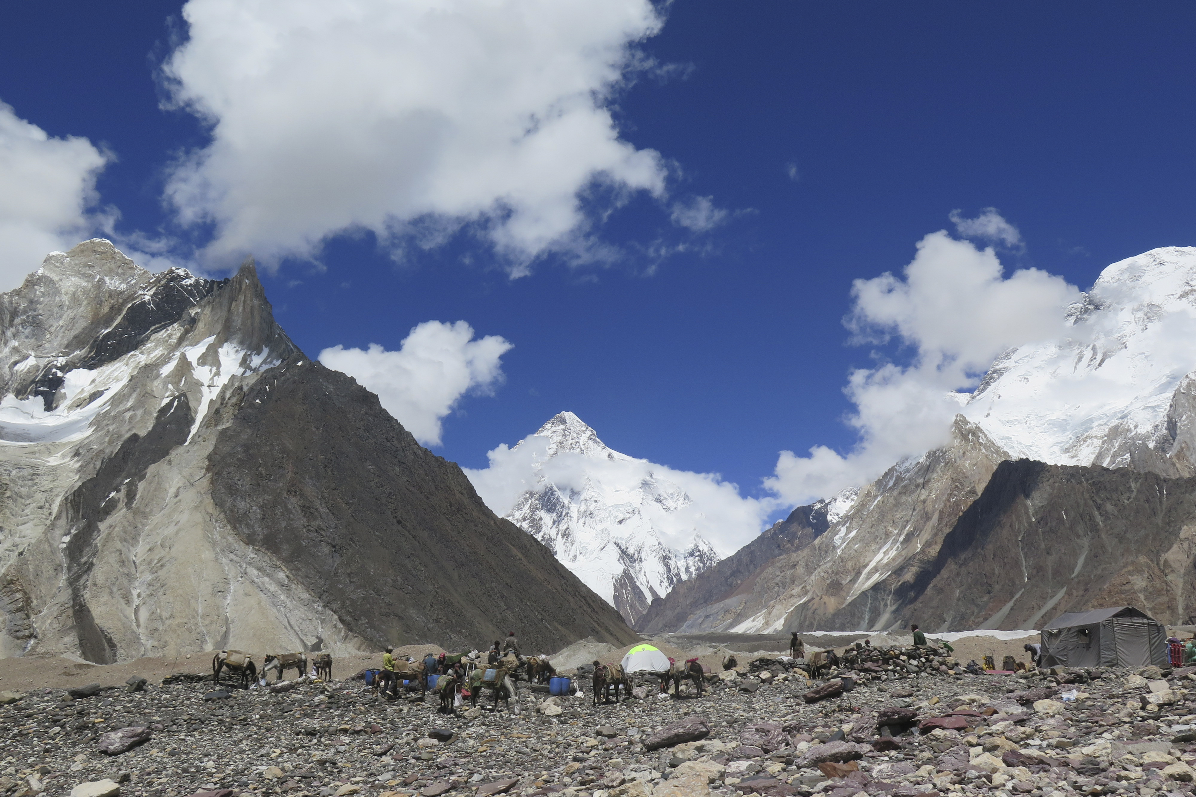 Egy kézujjak nélküli dél-koreai férfi megmászta a világ 14 legmagasabb hegycsúcsát
