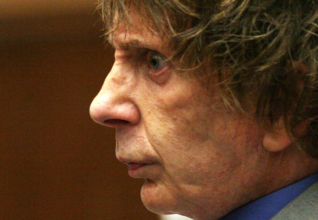 Börtönében elhunyt Phil Spector