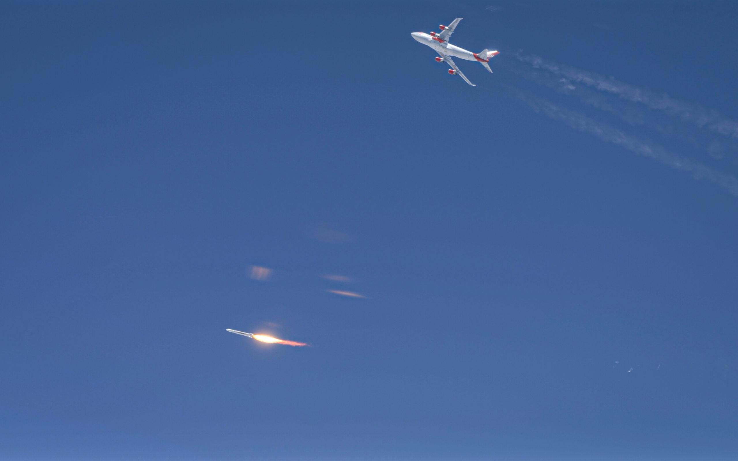 Richard Branson repülőről indított rakétája elérte az űrt