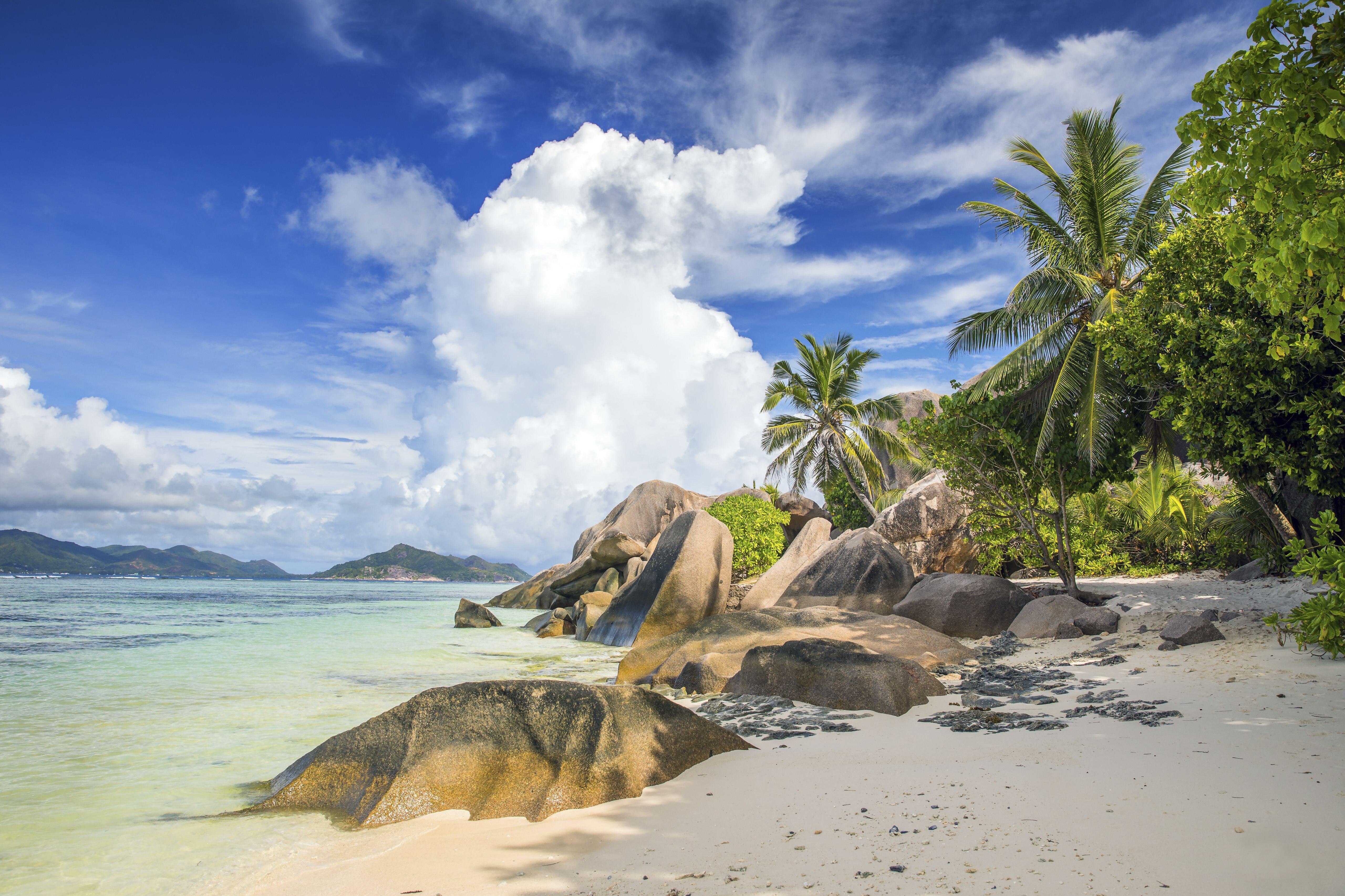 Beoltották a sziget lakóinak közel kétharmadát, de még ez sem volt elég egy újabb hullám elkerüléséhez
