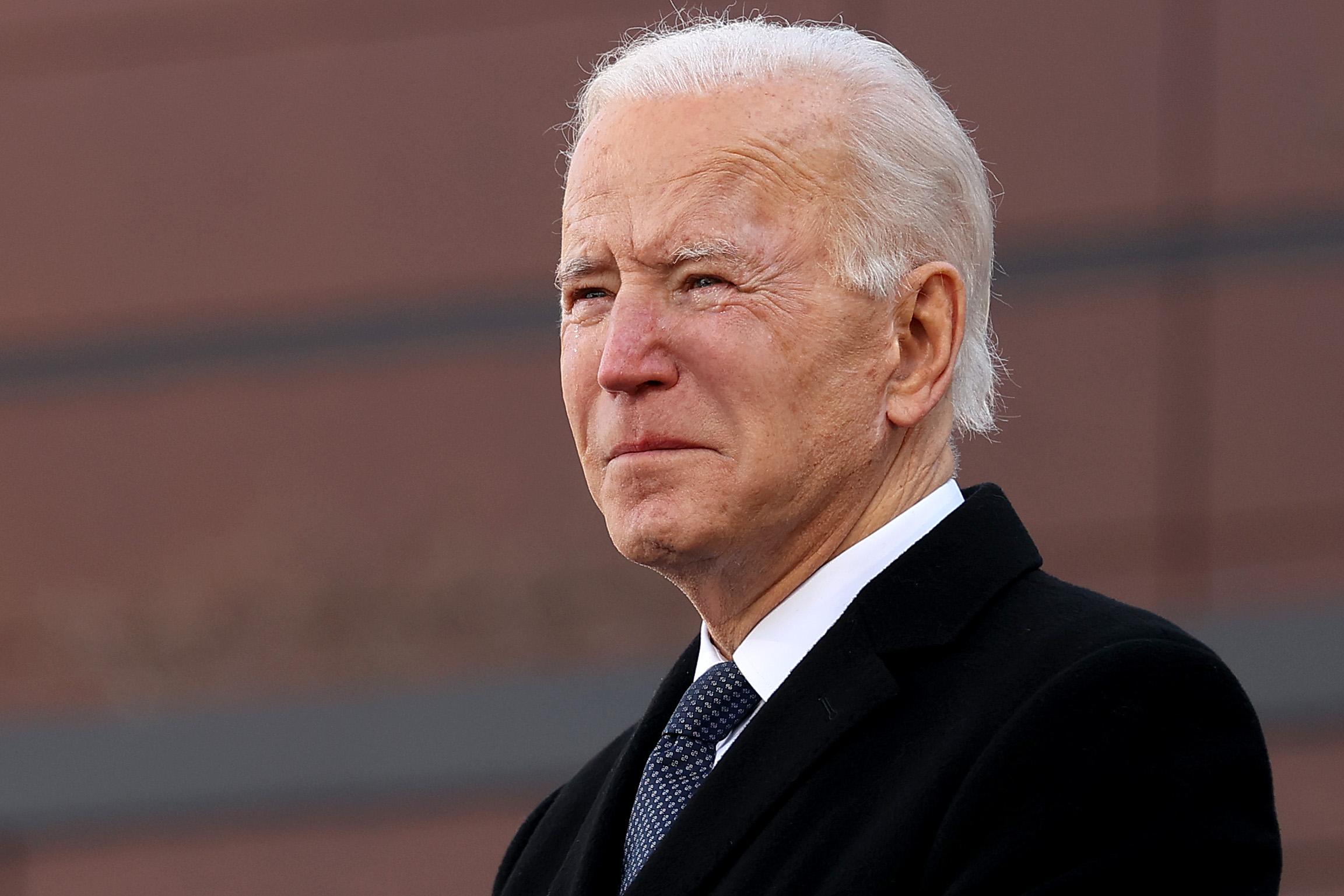 Sűrű napja lesz Bidennek a beiktatása napján