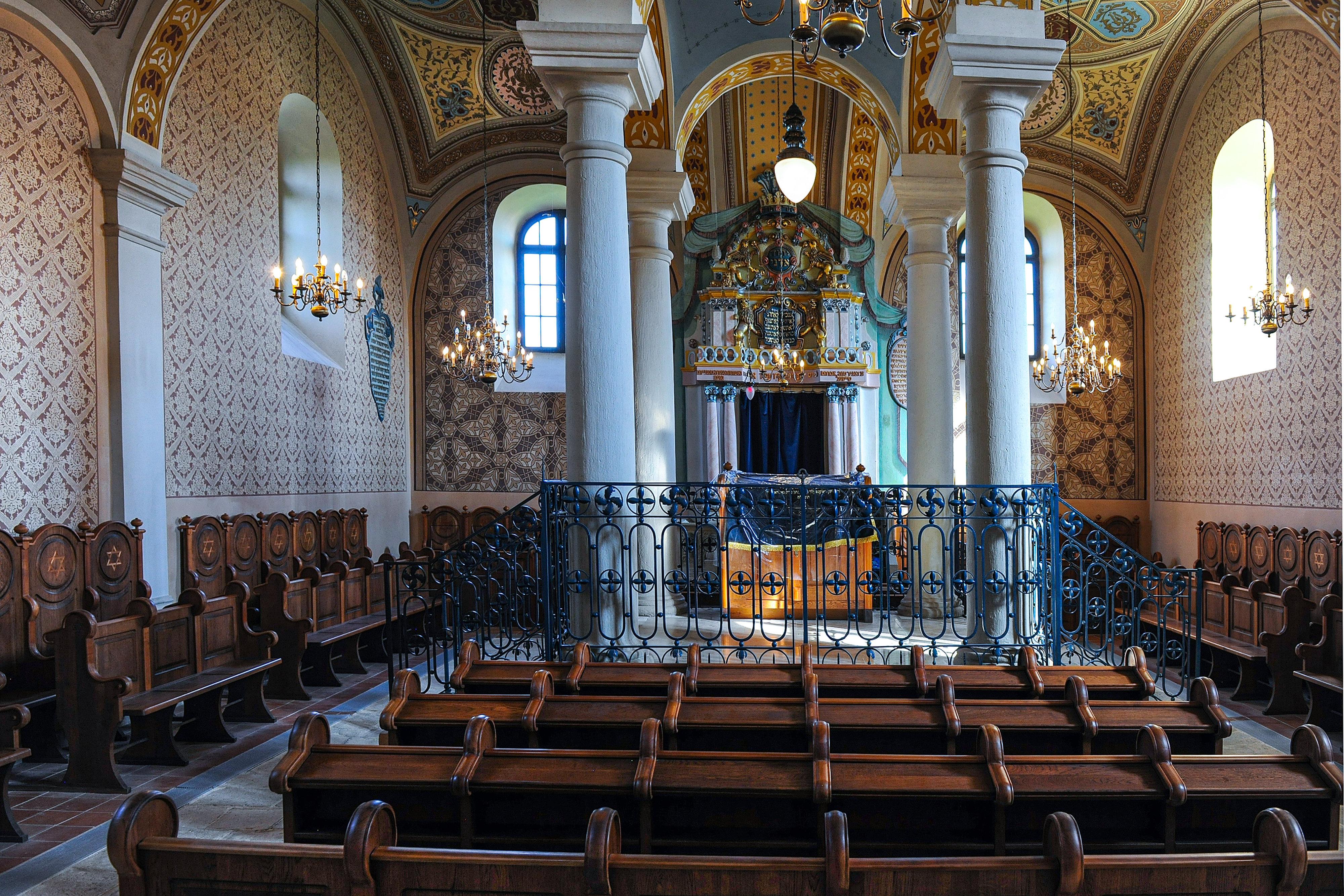 Betört egy borsodi zsinagógába, de üres kézzel kellett távoznia, mert nem találta meg a lejárót