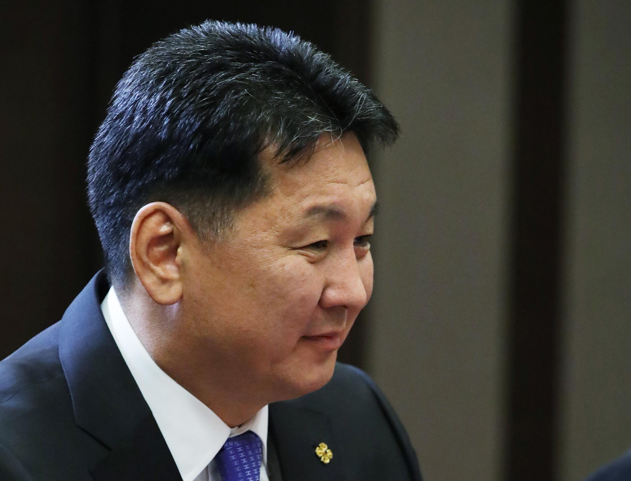 Belebukott a mongol kormány abba a botrányba, ami egy járványkórházba vitt koronavírusos kismama miatt robbant ki