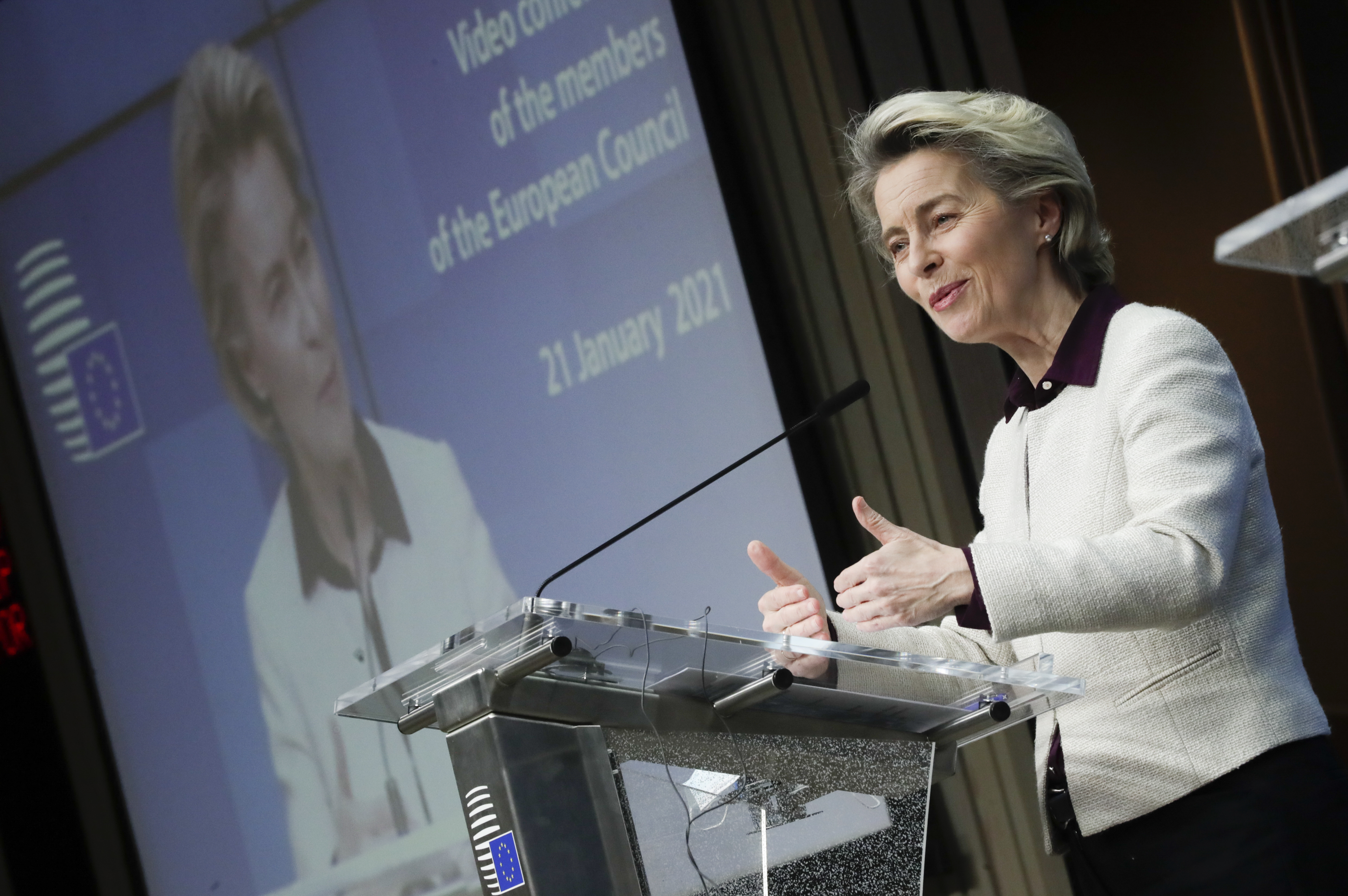 Utazási szigorítás, sötétvörös zónák jöhetnek az EU-ban