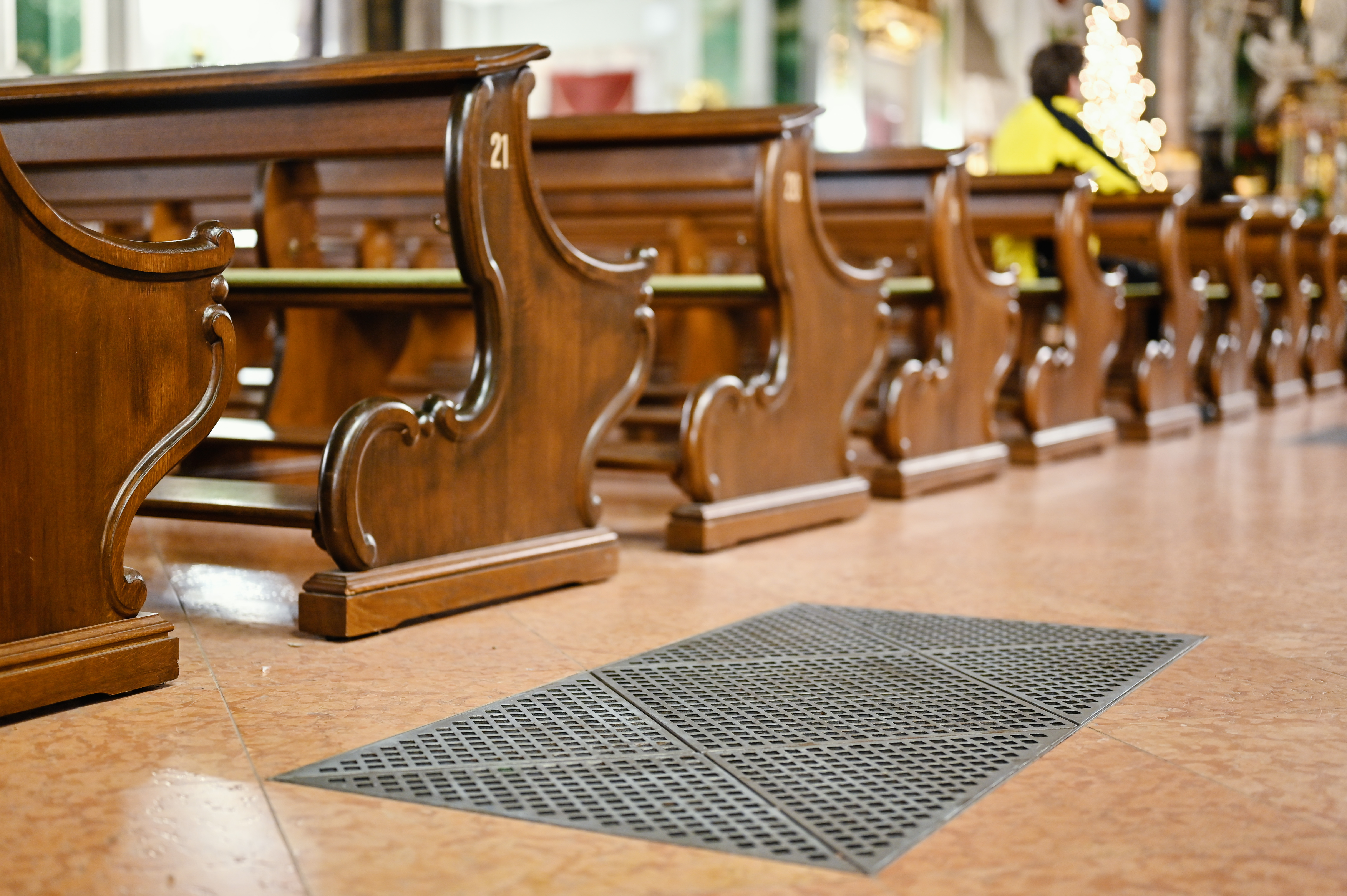 Bocsánatot kértek a spanyol jezsuiták az elmúlt száz év szexuális bántalmazásaiért