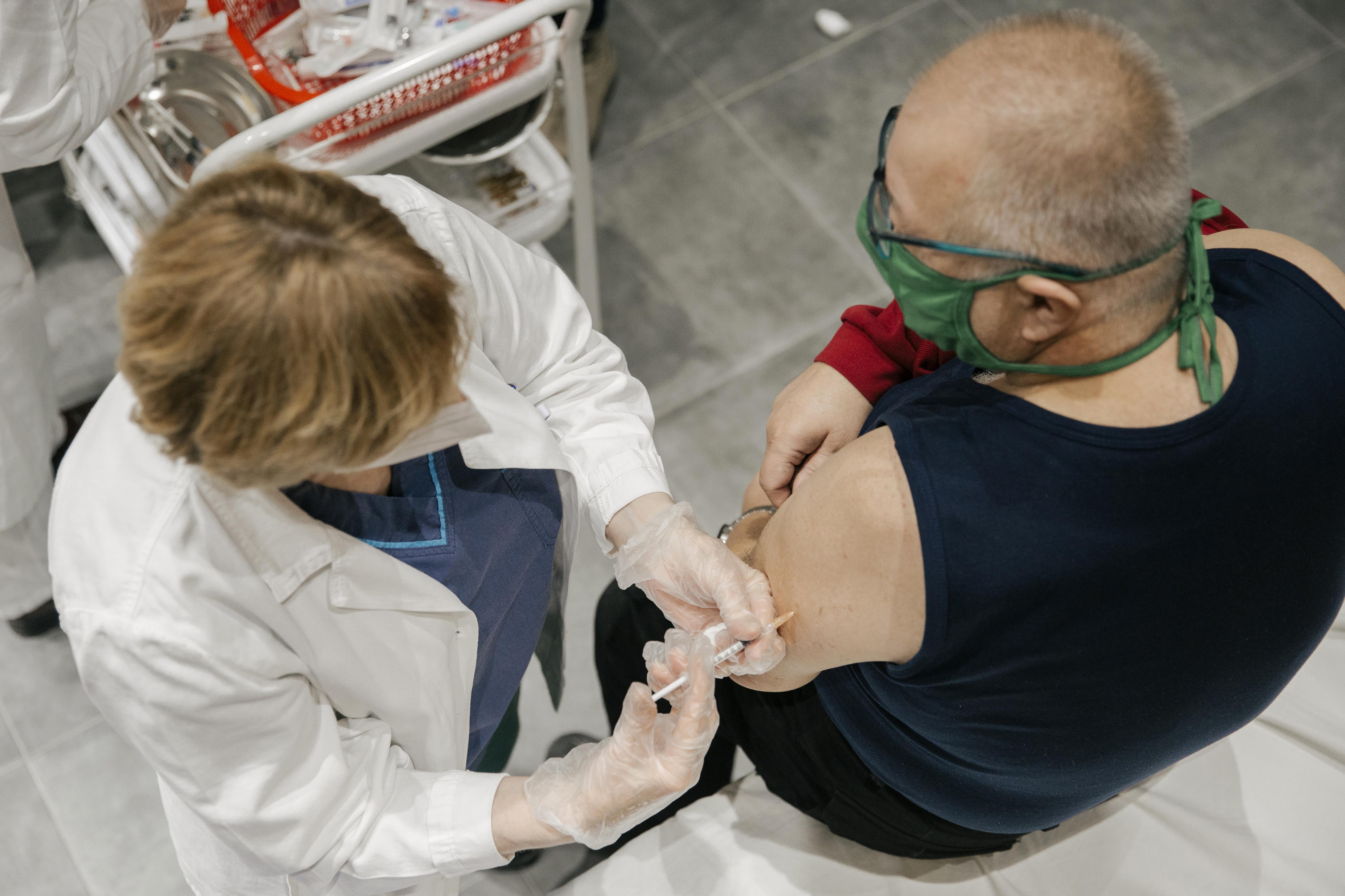Szerbiában most azok kapnak harmadik oltást, akik gyenge immunválaszt adtak az első két adagra