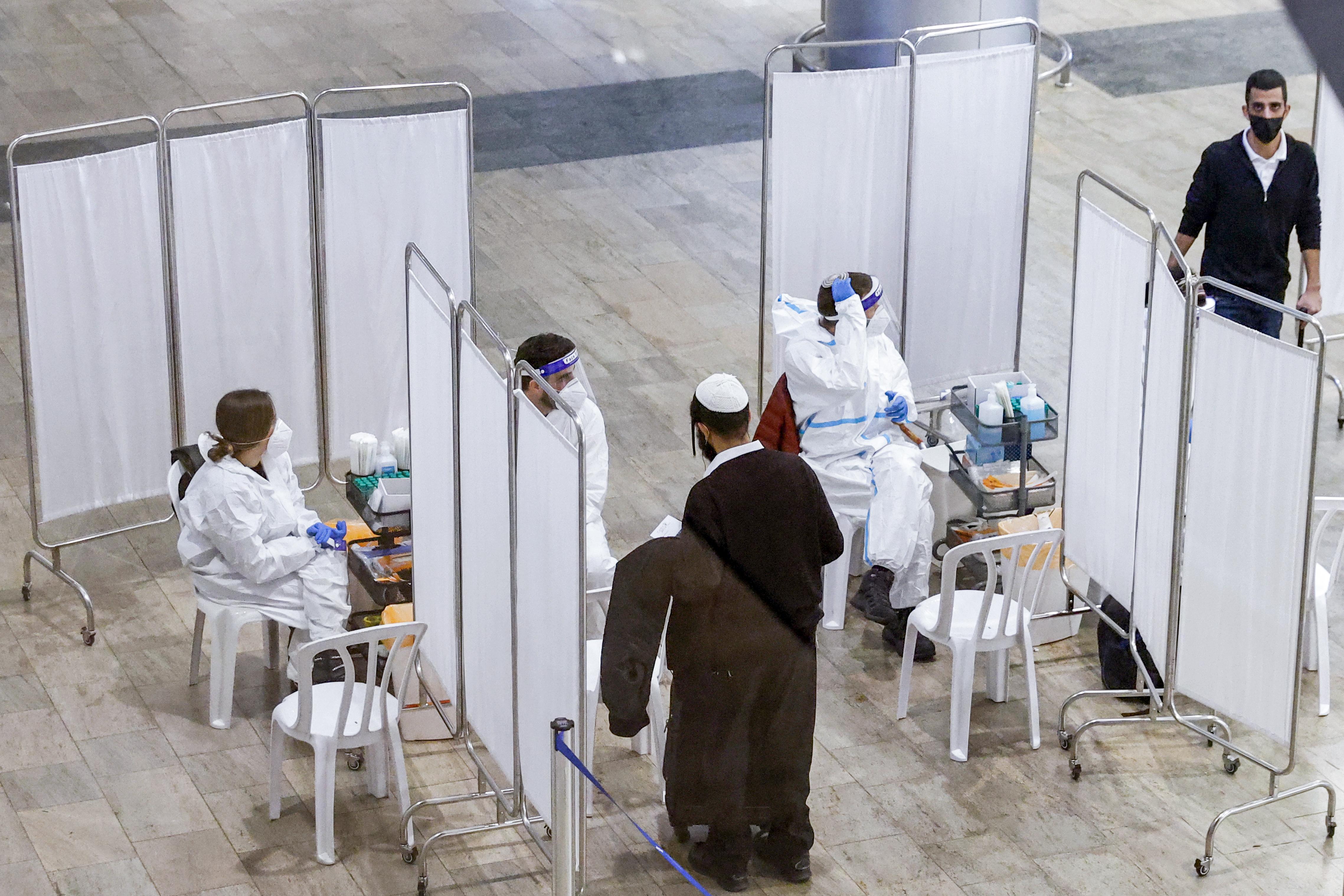Izraelben már a tinédzsereket oltják