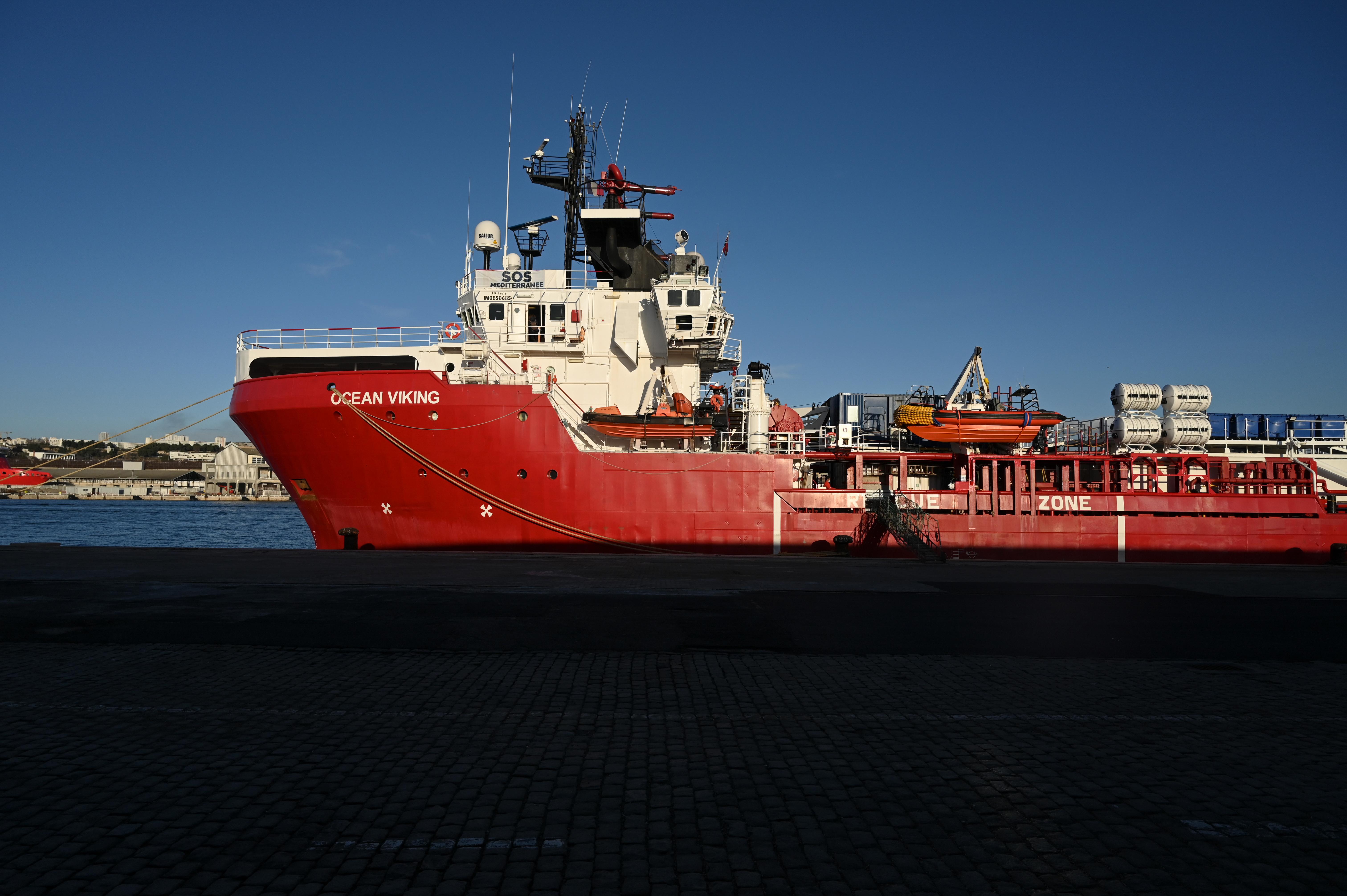Szicíliában köthet ki a Ocean Viking mentőhajó