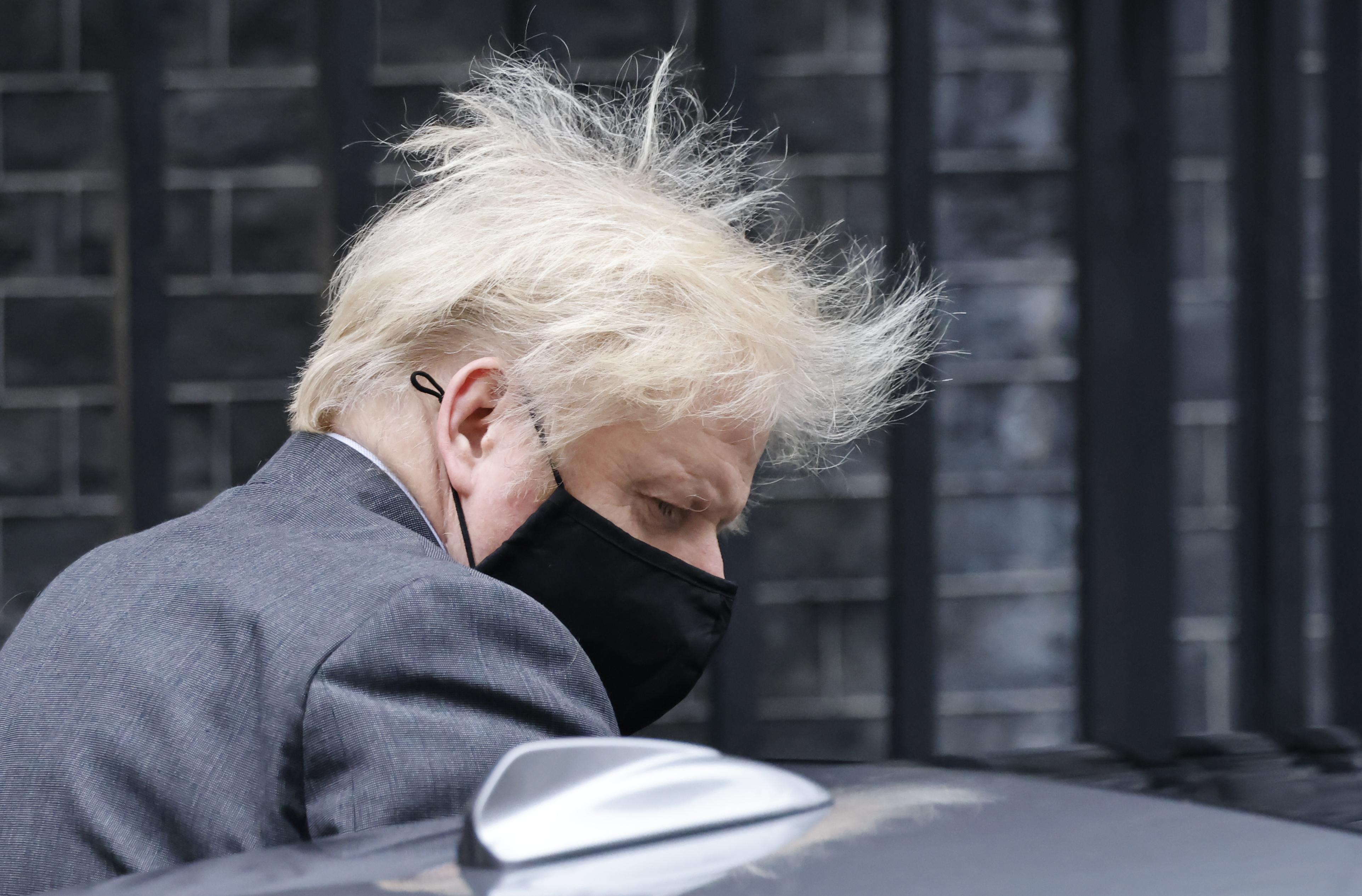 Boris Johnson elismerte, hogy nem feltétlenül kezelték jól a járvány első hullámát