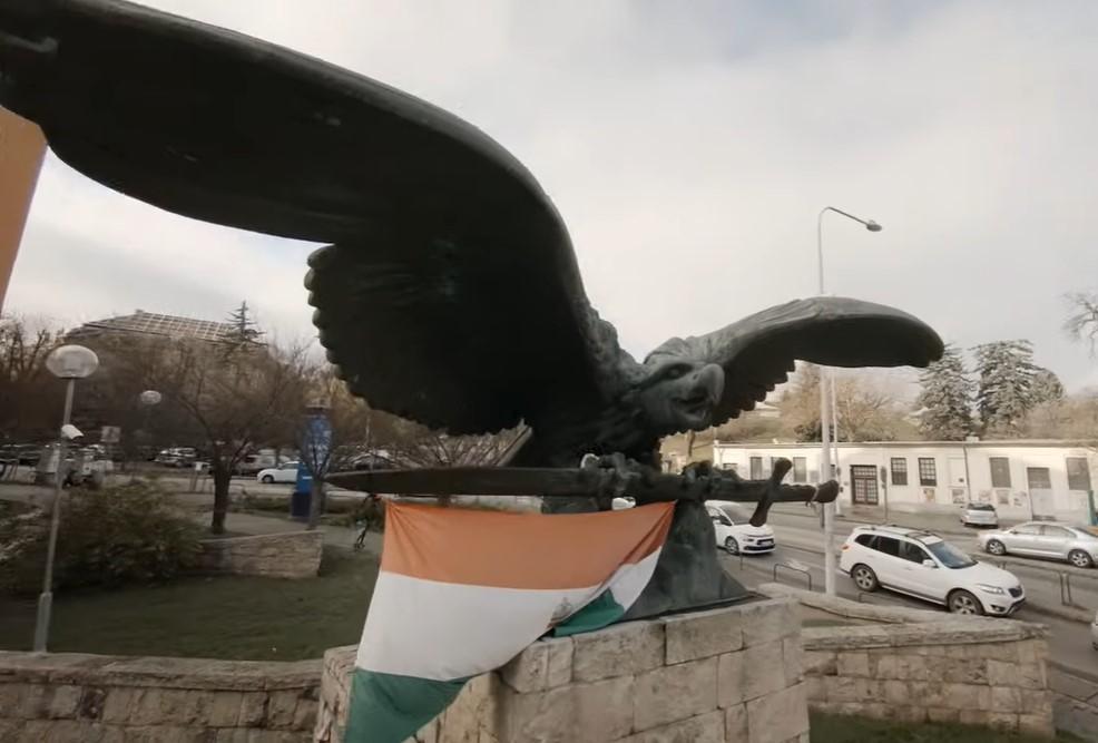 """""""A Fidesz állította, a szélsőjobb meg használta"""" - Ács Dániel a turulszoborról, kozmetikázott történelemről és Pokorni Zoltán felelősségéről"""