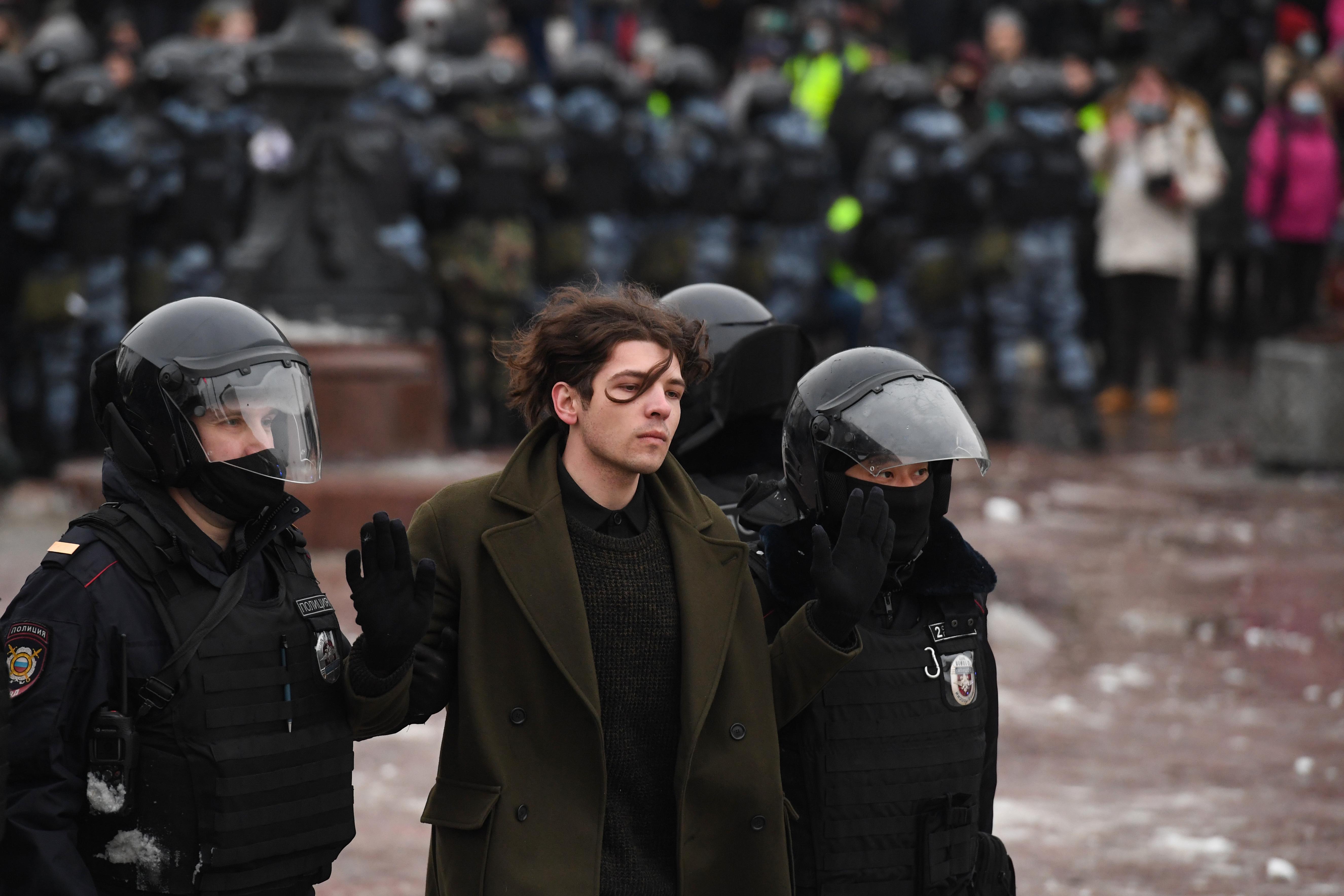 A Kreml bevetette a propagandafegyvert a tüntetőkkel szemben