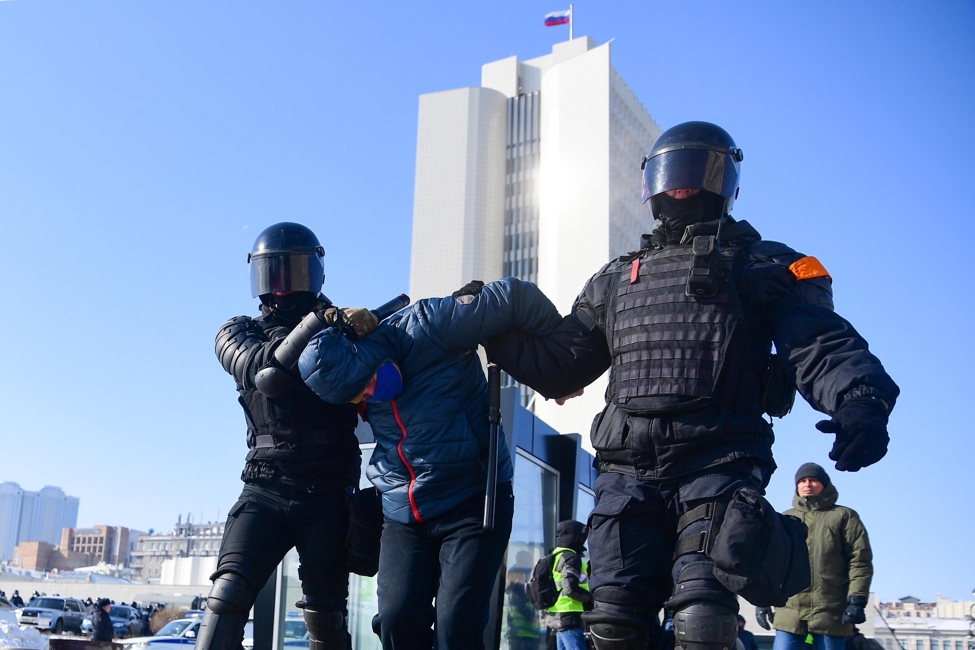 Oroszországban megtiltanák Navalnij aktivistáinak, hogy induljanak a választáson